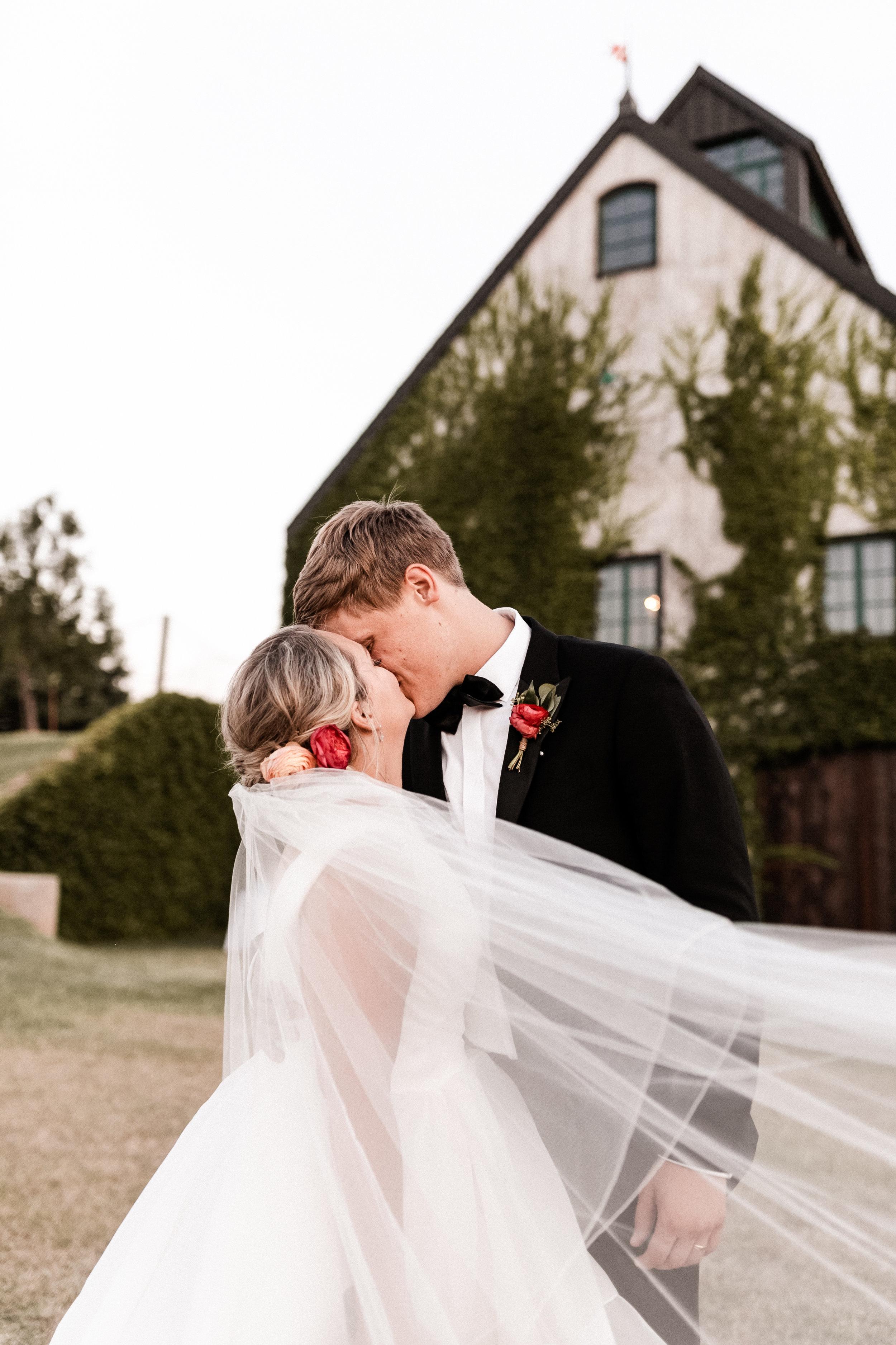 Wieder Wedding KHP87101.jpg