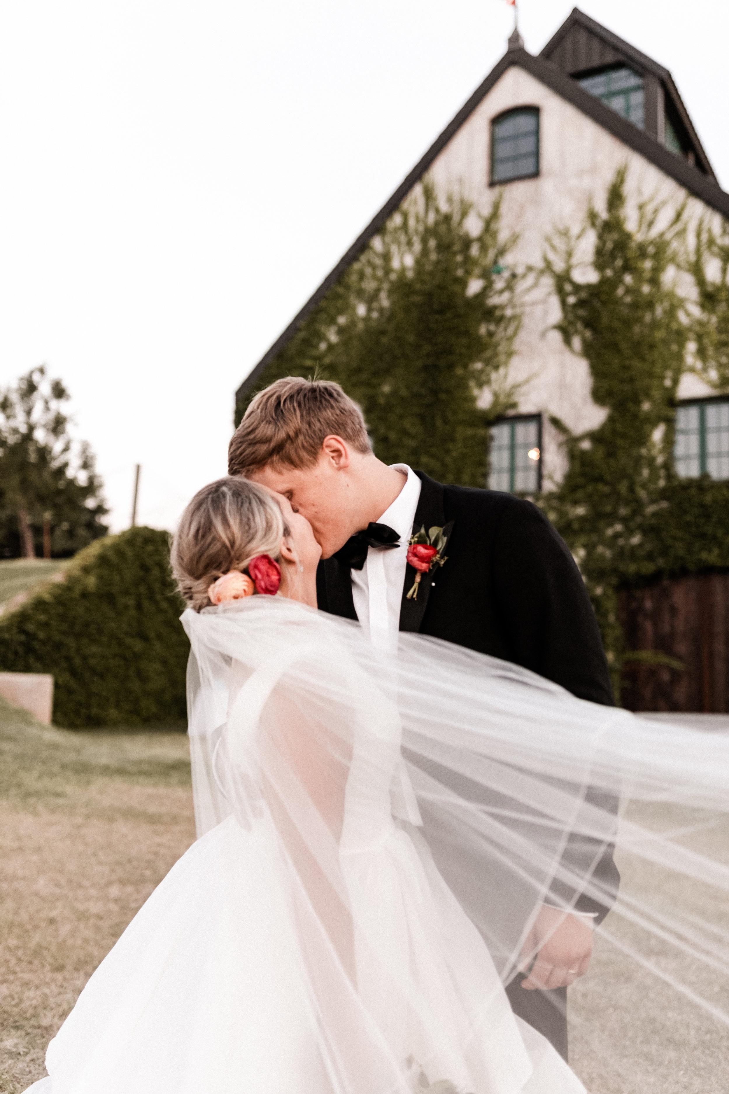 Wieder Wedding KHP87102.jpg