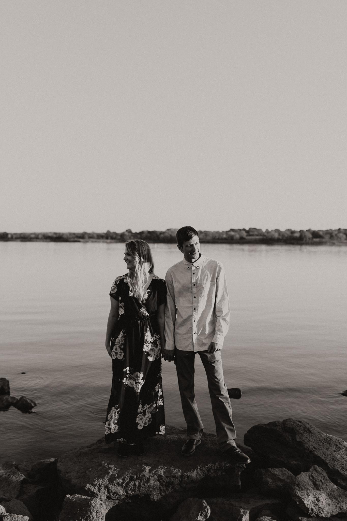 Kyle + Brittany | Fall Lake Engagement Photos | Oklahoma Lifestyle Photographer-34.jpg