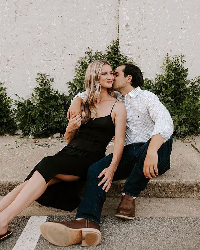 These two crushed their engagement photos and I will probably be posting them foreverrrr 😍