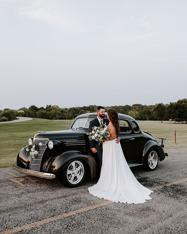 "I feel like so much has been going on this week I've forgotten to post about Anna and John's wedding on Saturday!! They used Anna's grandpa's car as their ""get away car"" (is that what it's called?😂) so of course we had to use it during their couple portraits and it was AWESOME! 😍"