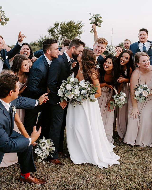 Have I ever mentioned how much I love my job?! 😍 such a fun wedding day with this crew!! — Tap for vendors!