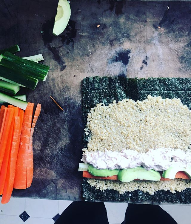 "So, sushi is my new thing, i think because it's a no go for the preggo, it just makes me want it..so I've been making my own with white quinoa and a few basic fillings. I love how simple, satisfying and ""clean"" it is to make and eat 😋  You can use anything to fill it- I've kept it basic for now with cucumber, carrot, avocado, with a canned tuna and mayo mixture. Served with Tamari (gluten free non GMO soy sauce)  I think this would be a good idea for take to work lunches, keen? Or kids lunch boxes if you're a Mum or Dad!  Can you suggest fillings to try? I'm thinking fried tempeh or lemon chicken 👌🏼 for me, bought raw fish right now is not ideal, unless a mate catches it fresh for me 😉 🤷🏼‍♀️"
