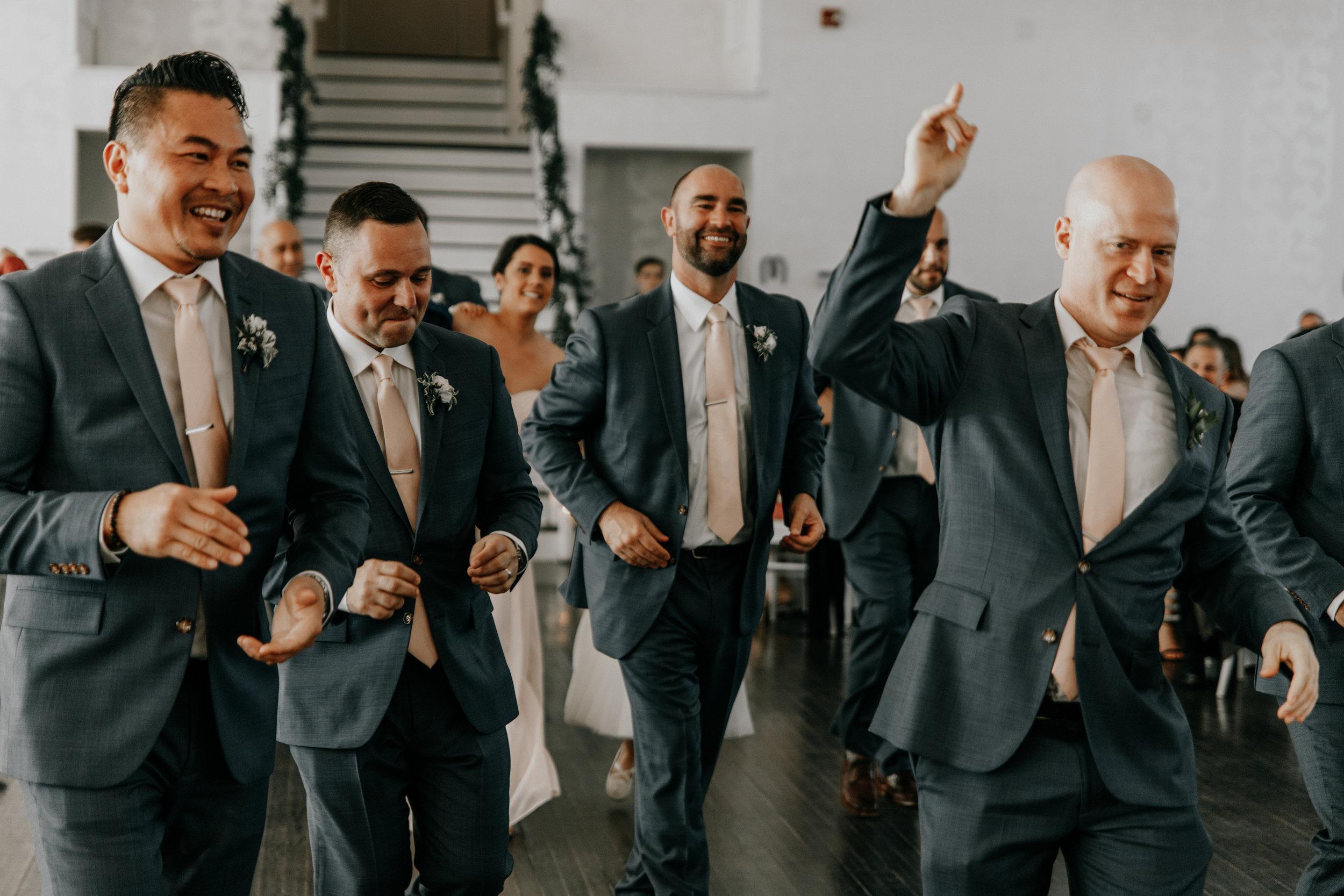 groomsmenphotos.jpg