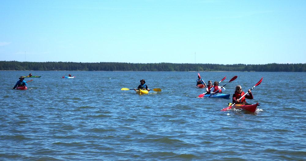 amer_sports_digital_kayak_sea.jpg