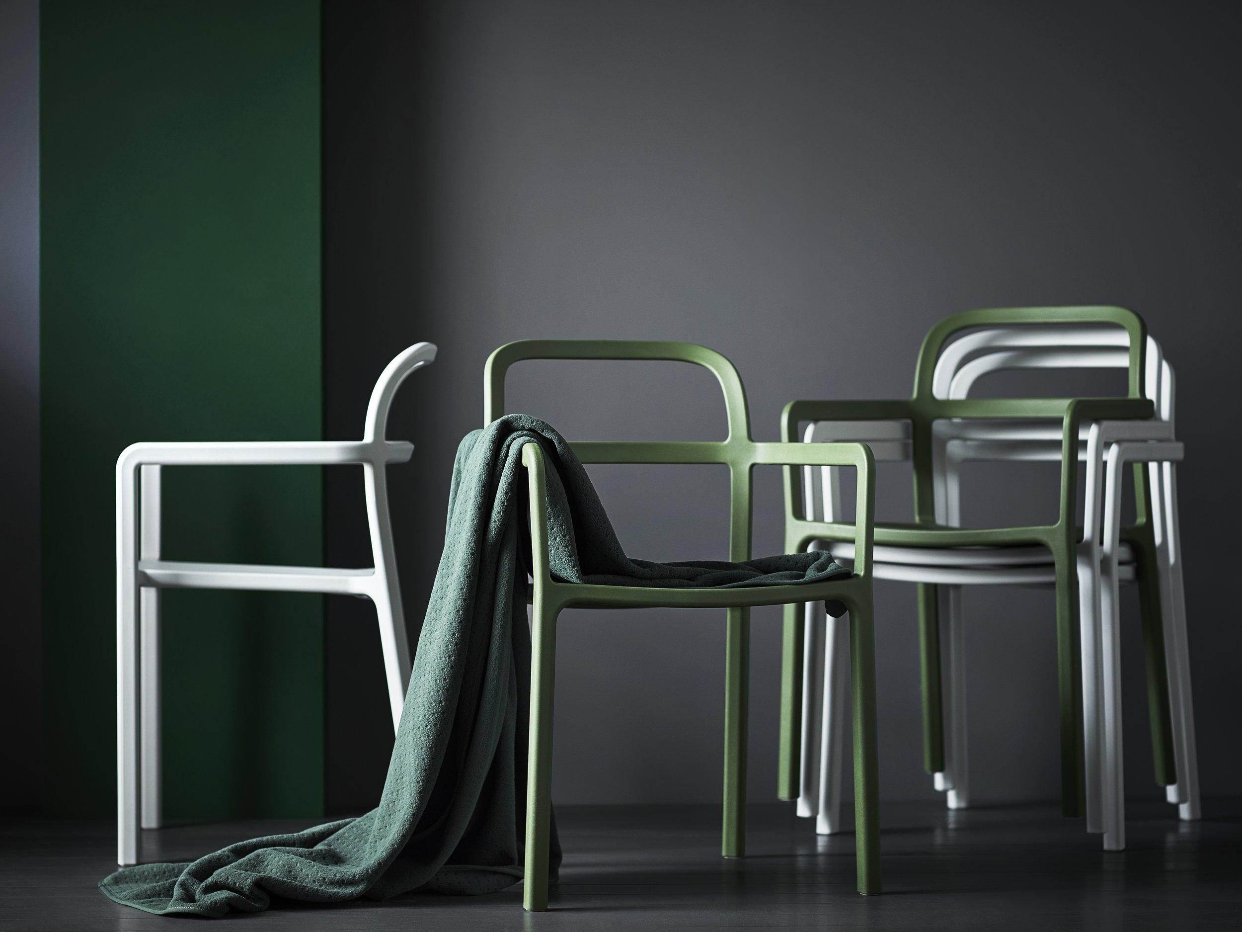 YPPERLIG mono block plastic chair.jpg
