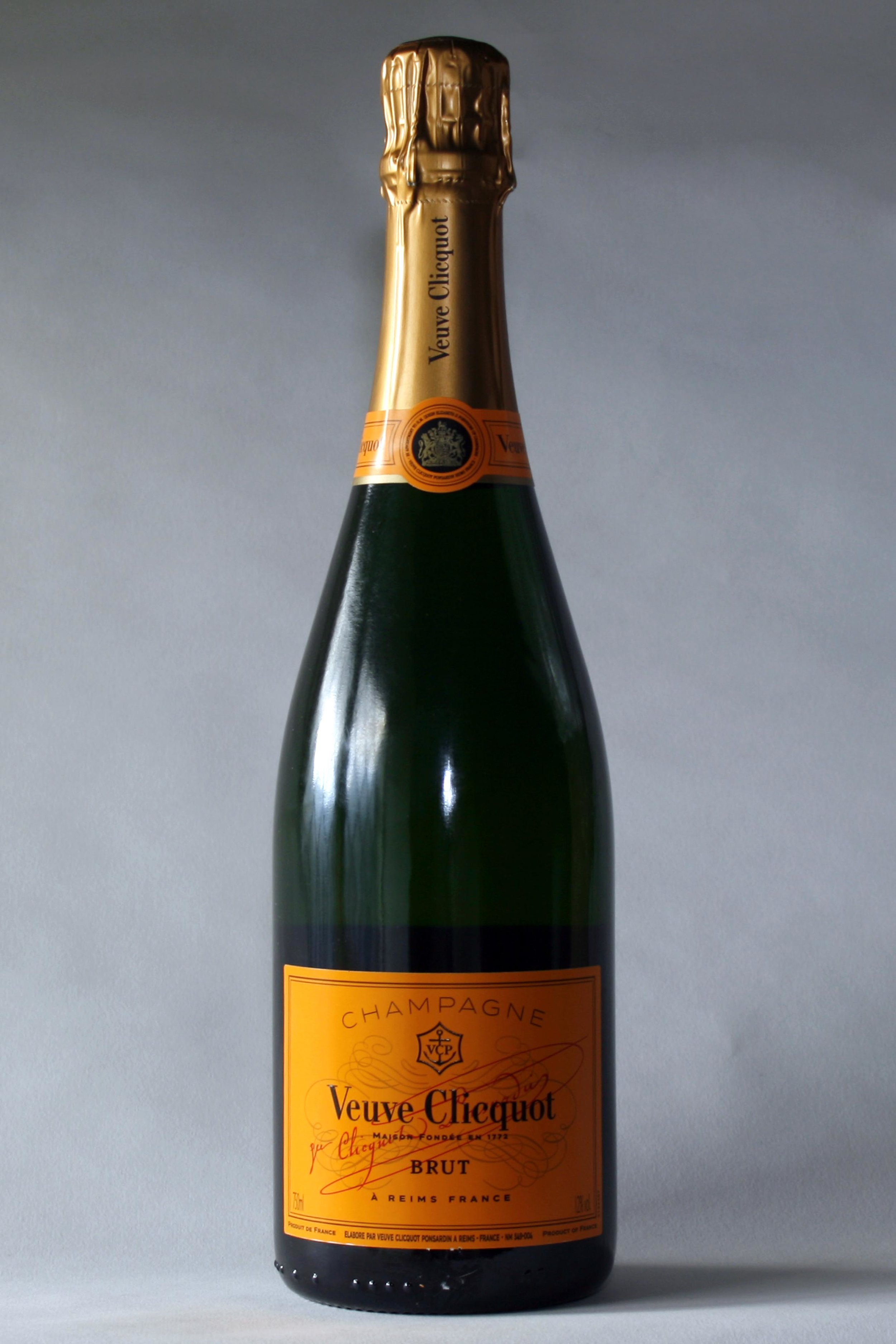 Veuve Clicquot Champagne - DEATILS TO COM….