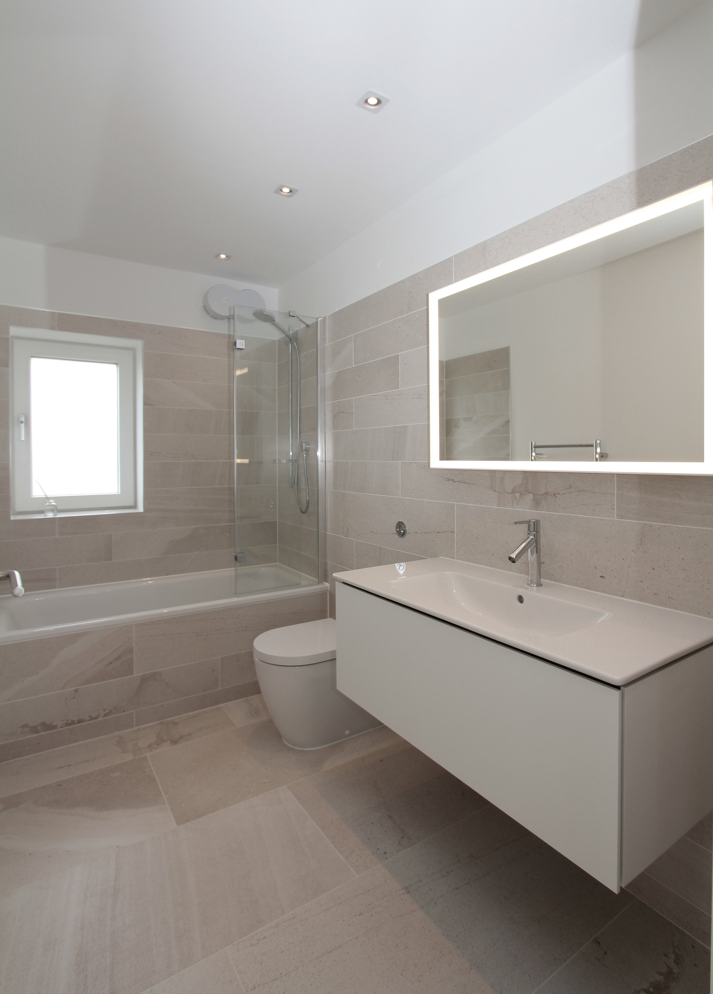 BreakPoint 'Marram' img16 - View of bathroom.jpg