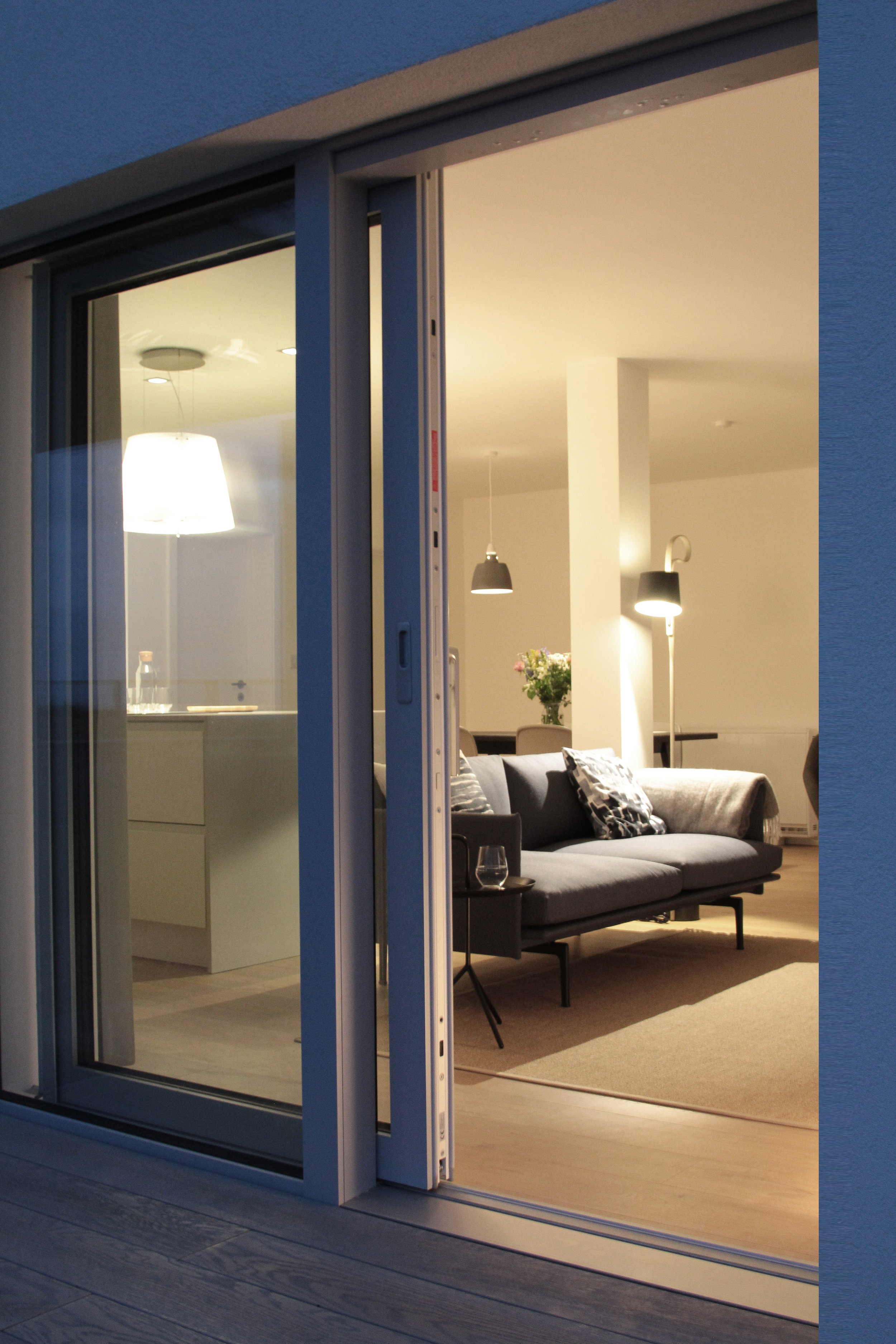 BreakPoint 'Marram' img21 - Evening View into living area from sea-side garden terrace.jpg