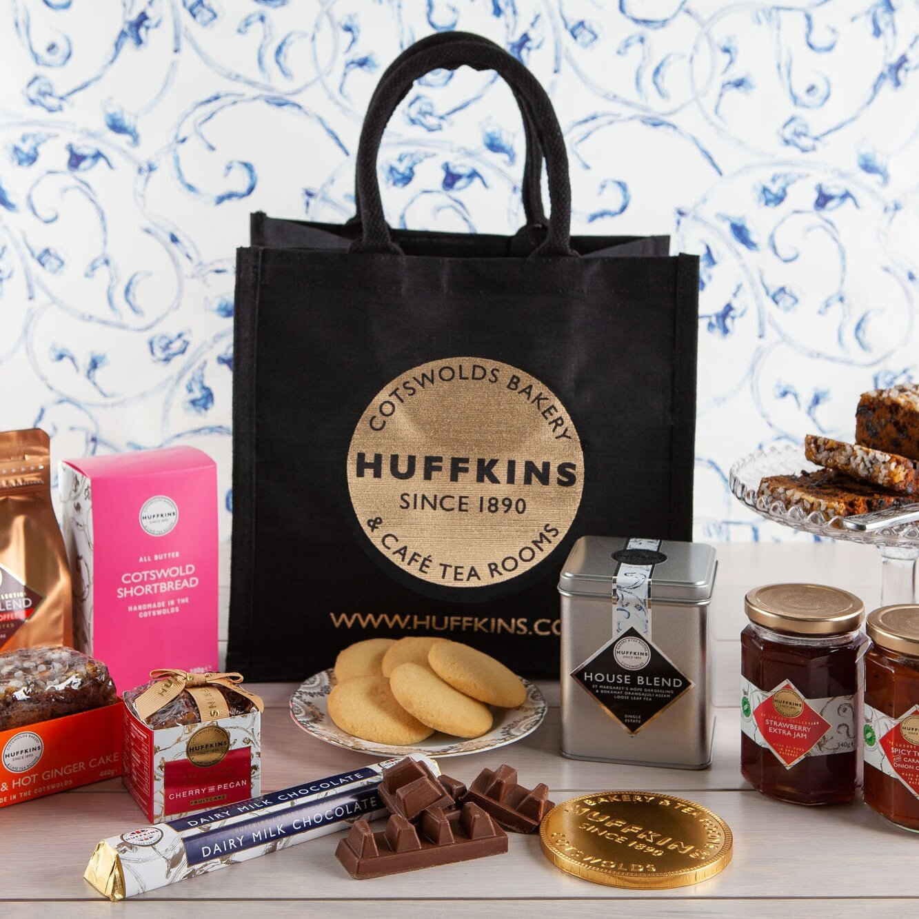 Cake gifts - It's in the bag.