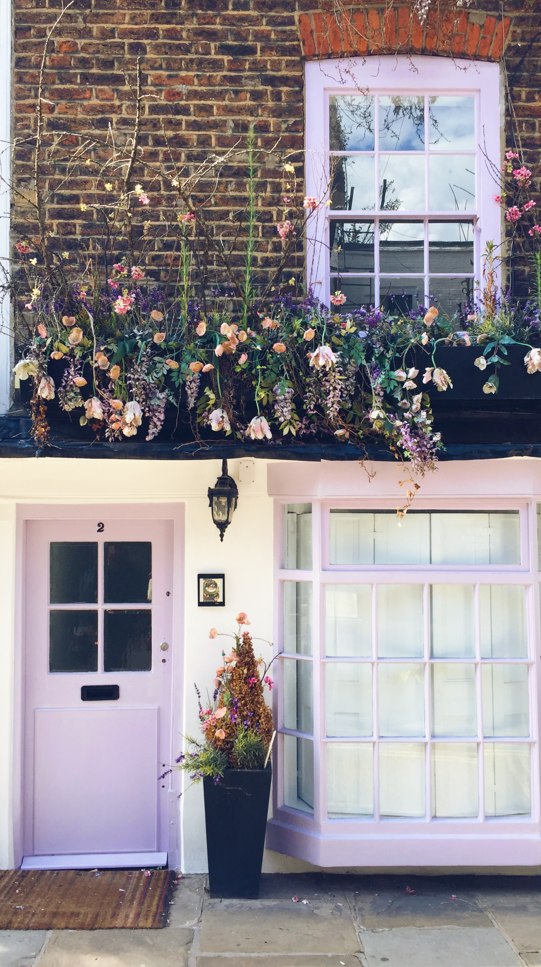 Things I'm excited about for Fall- Violet door and flowers in London