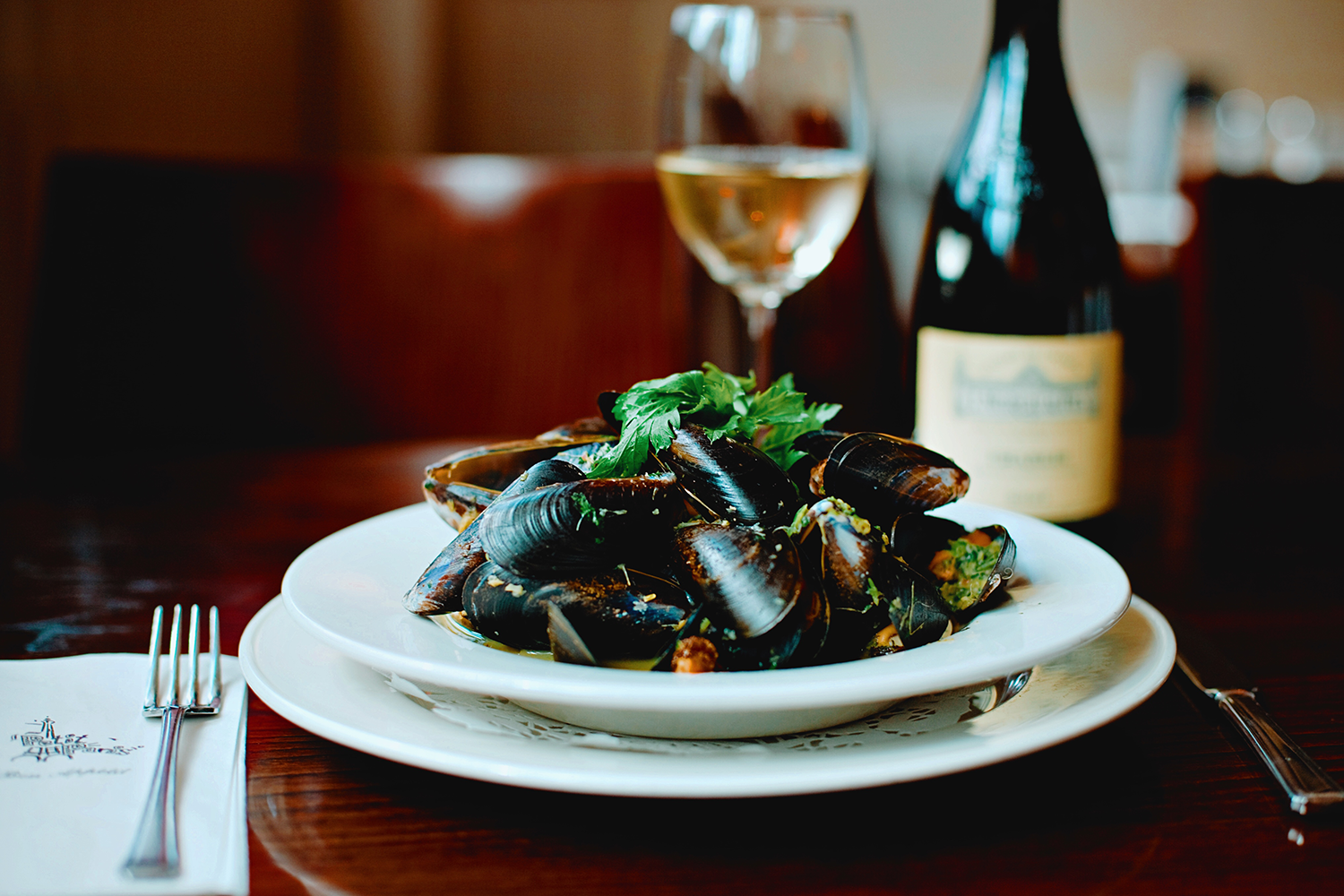 Mussels at Petit Paris photography by Studio Softbox copyright 2019.png
