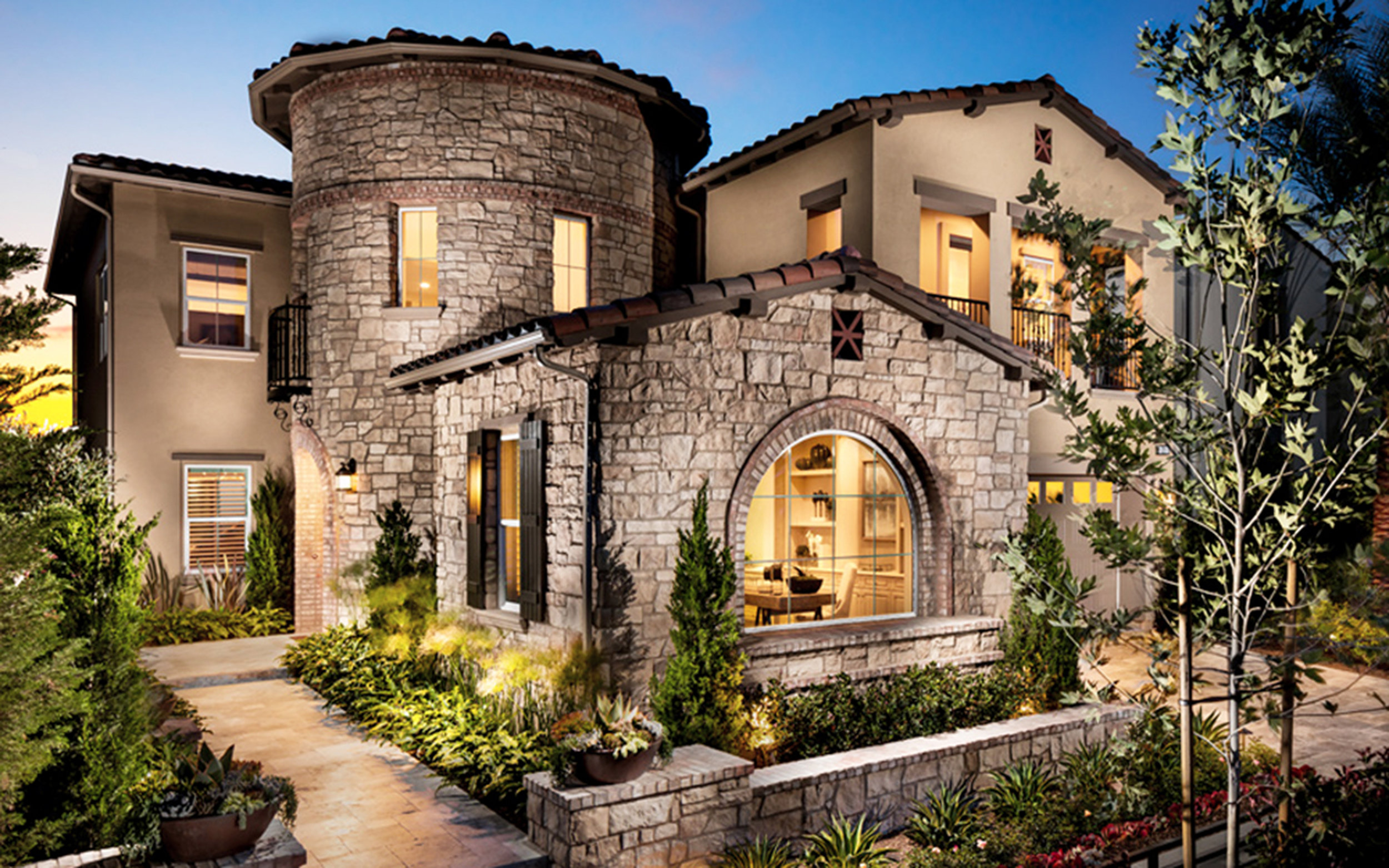 Coronado Stone - Coronado Stone has the largest variety of stone veneer profiles and colors.