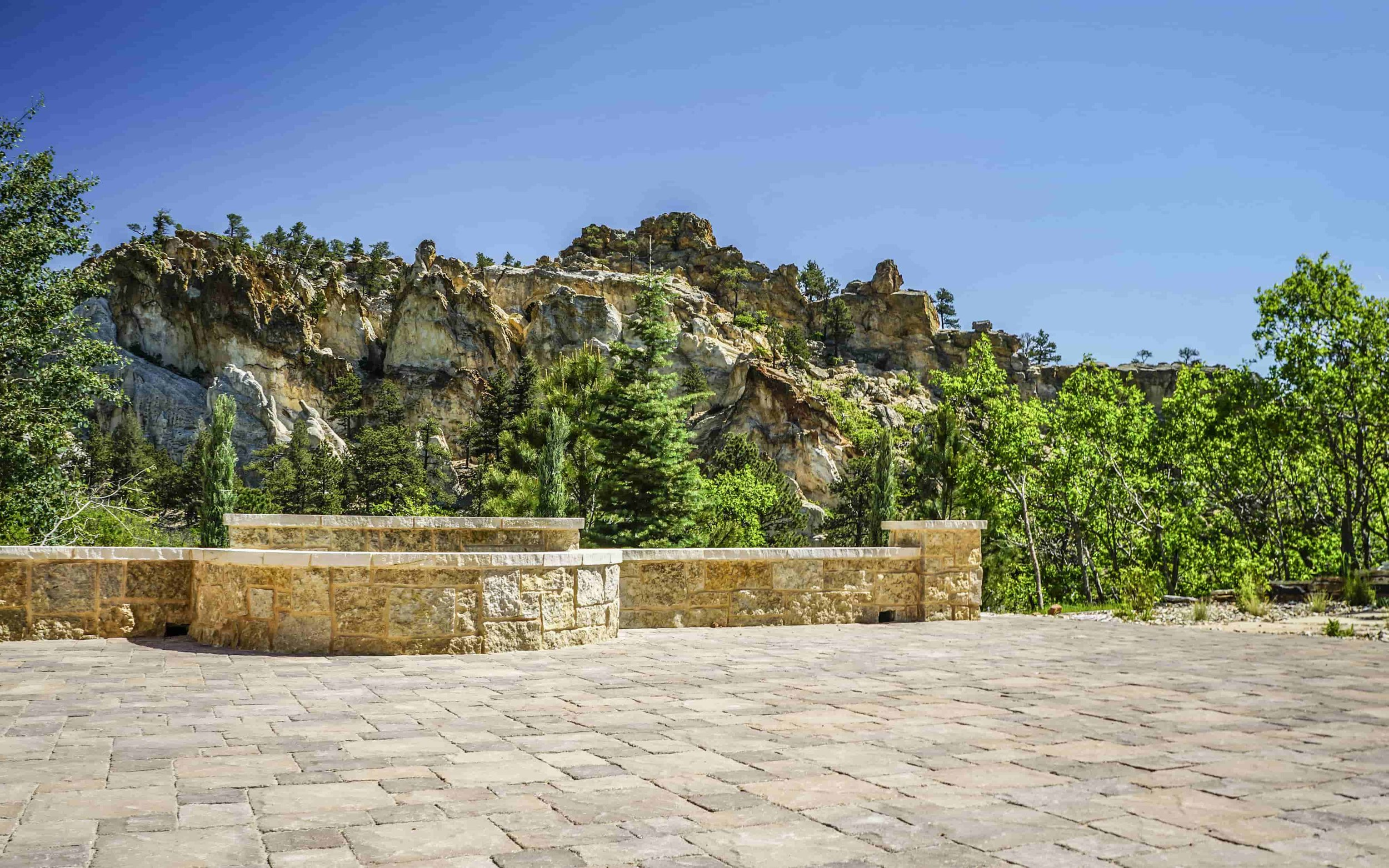 Pavers - Pavers create a long lasting, beautiful hardscape that can be used for patios, walkways and much more!