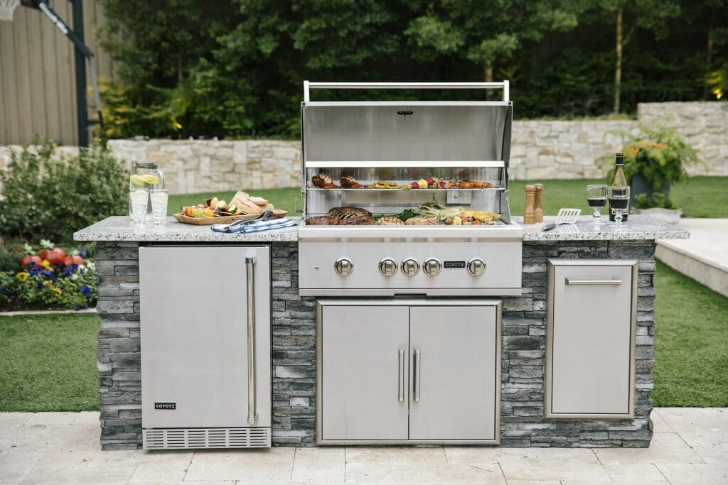 Coyote Outdoor Living - Coyote offers top of the line gas grills, outdoor kitchens and accessories.