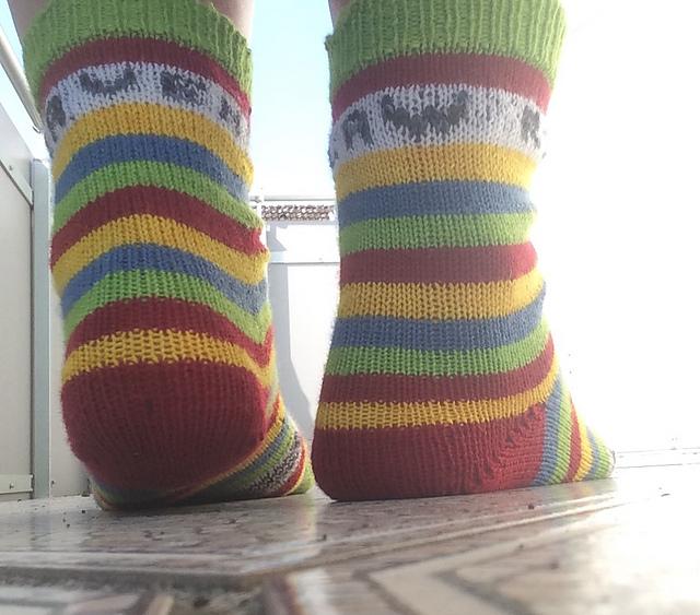 Les chaussettes officielles - Le patron officiel du Tournoi!Merci Lanka-Liisa! Il y en a pour toutes les maisons, même si vous n'arrivez pas à vous décidez, vous les Huffledor!