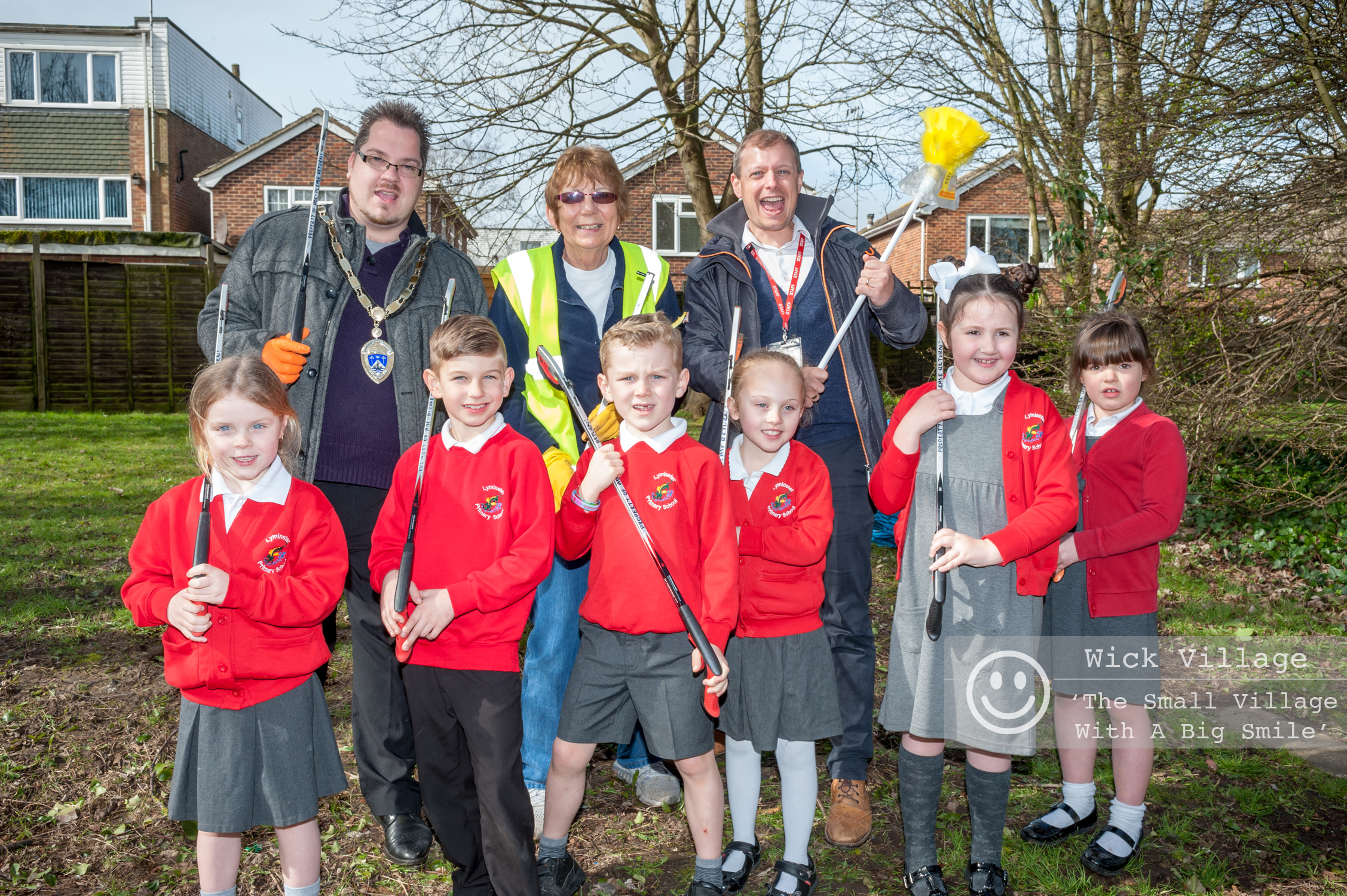 The Mayor of Littlehampton, Councillor Billy Blanchard-Cooper, joins local volunteers, children and staff from the Lyminster Primary School during the Great British Spring Clean Of Wick Village. Photo © Scott Ramsey / Wick Village Traders Association