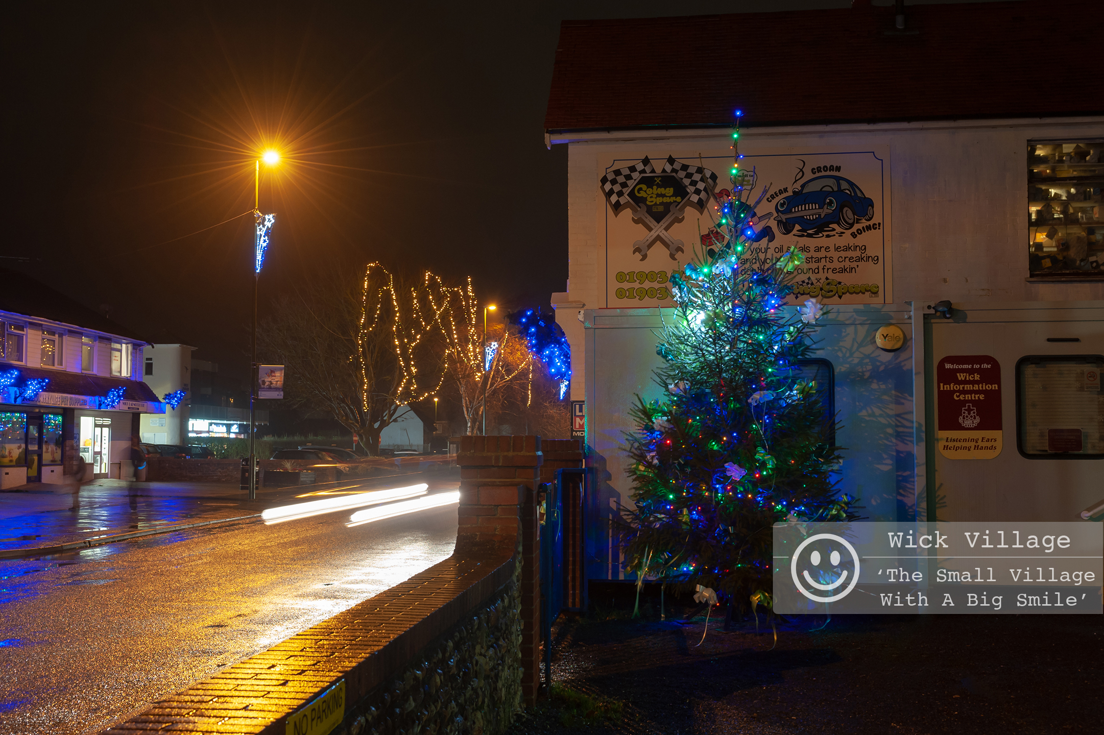 The Wick Village Christmas Tree 2018, sponsored by BizSpace Littlehampton. Photo by Scott Ramsey  Sussex Business Photographer . Photo © Scott Ramsey & The Wick Village Traders Association.