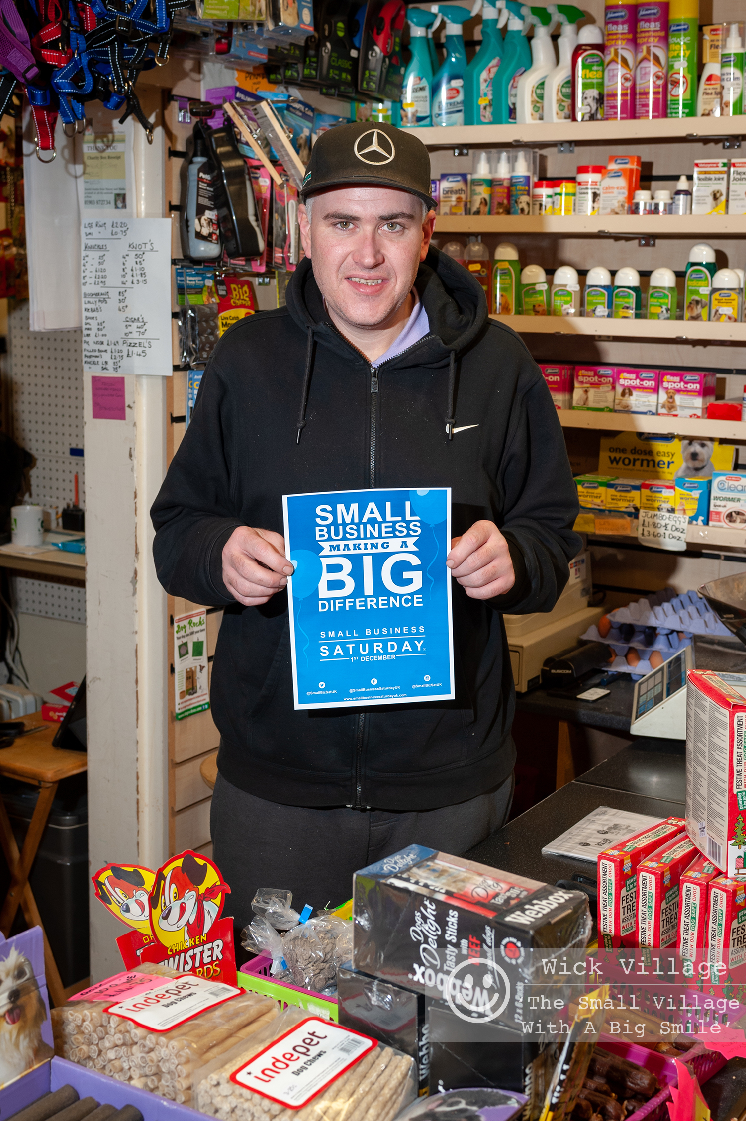 Wick, Littlehampton, West Sussex, UK. 1st December 2018. Traders in Wick Village support the Small Business Saturday campaign. In Pic: Country Life Pet Supplies.