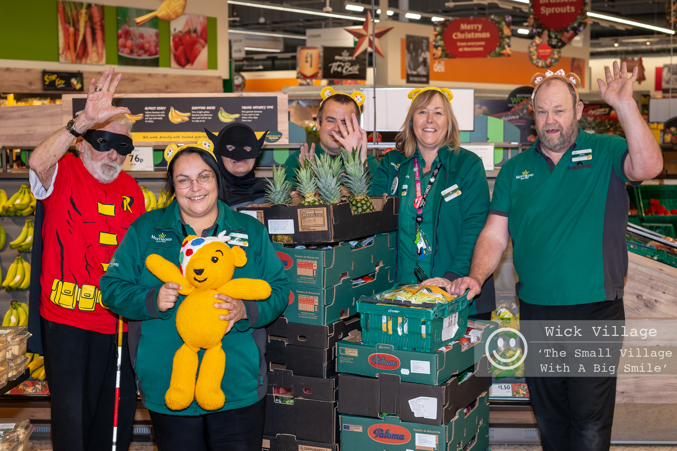 Wick, Littlehampton, West Sussex, UK. 16th November 2018. Staff and volunteers organised a raffle to win a Pudsey Bear in aid of Children In Need.