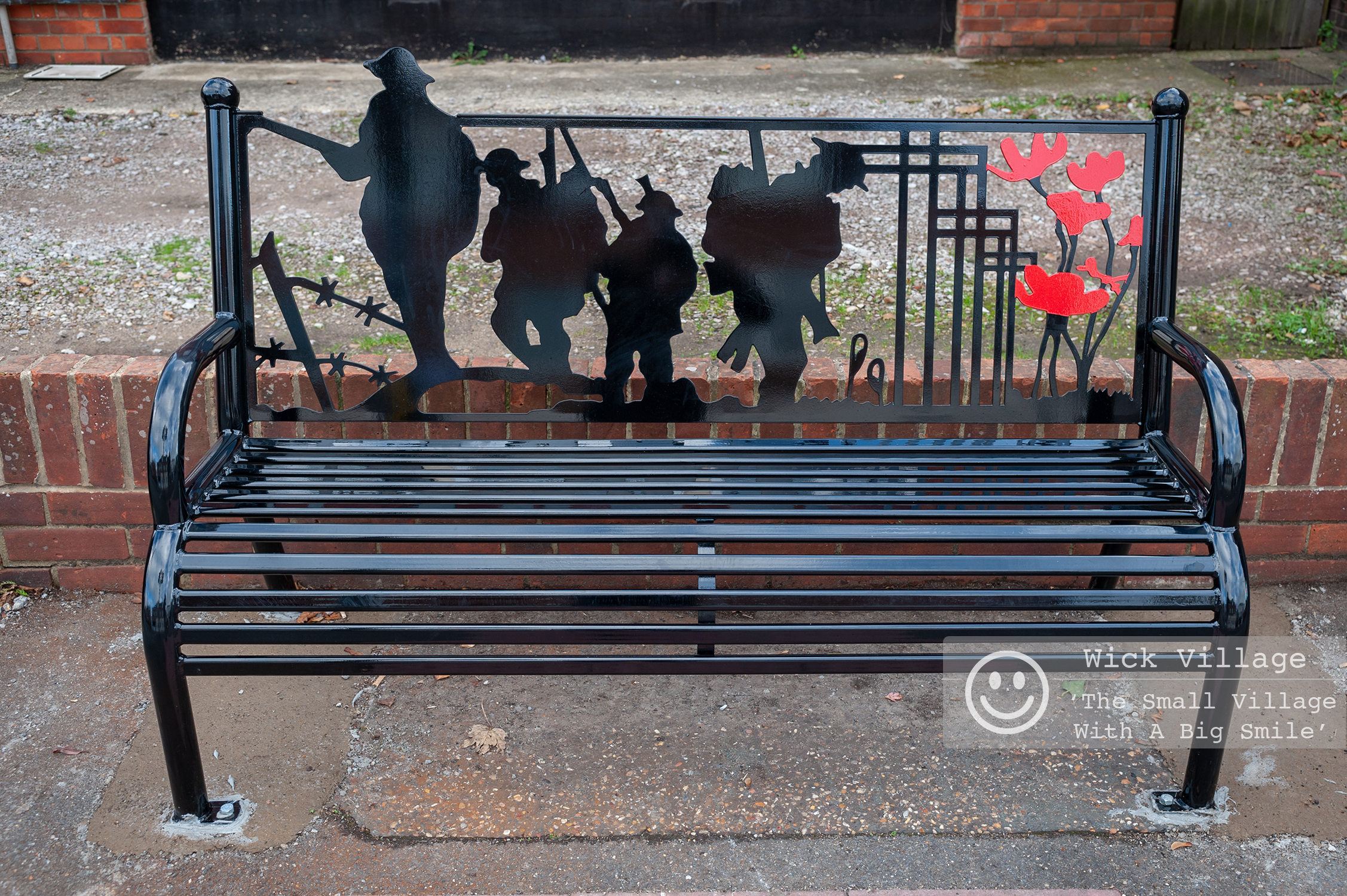 Wick, Littlehampton, West Sussex, UK. 9th November 2018. The Wick Village Traders Association have funded a new bench in Wick Village to mark the centenary of the end of the First World War. In Pic: The new bench on Wick Street.