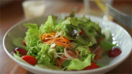salad-250.jpg