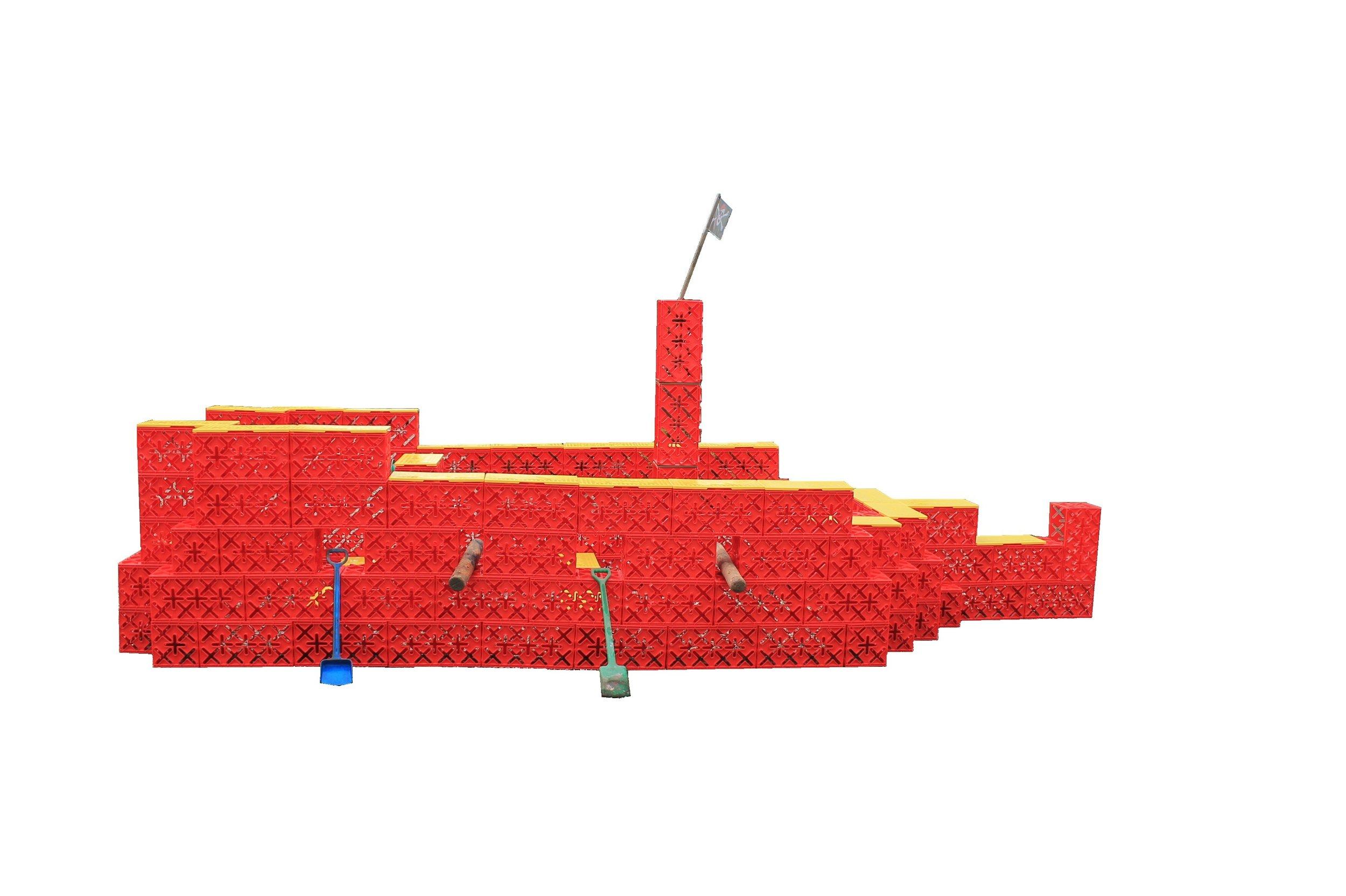 SØRØVERSKIB 90 KLODSER. - ARRRRRGGGHH, SPLITTE MINE BREMSEJL! Et sørøverskib som er fyldt med mange timers fantasifuld leg, i sigte.Sørøverskibet måler 5,6 x 2,4 meter.