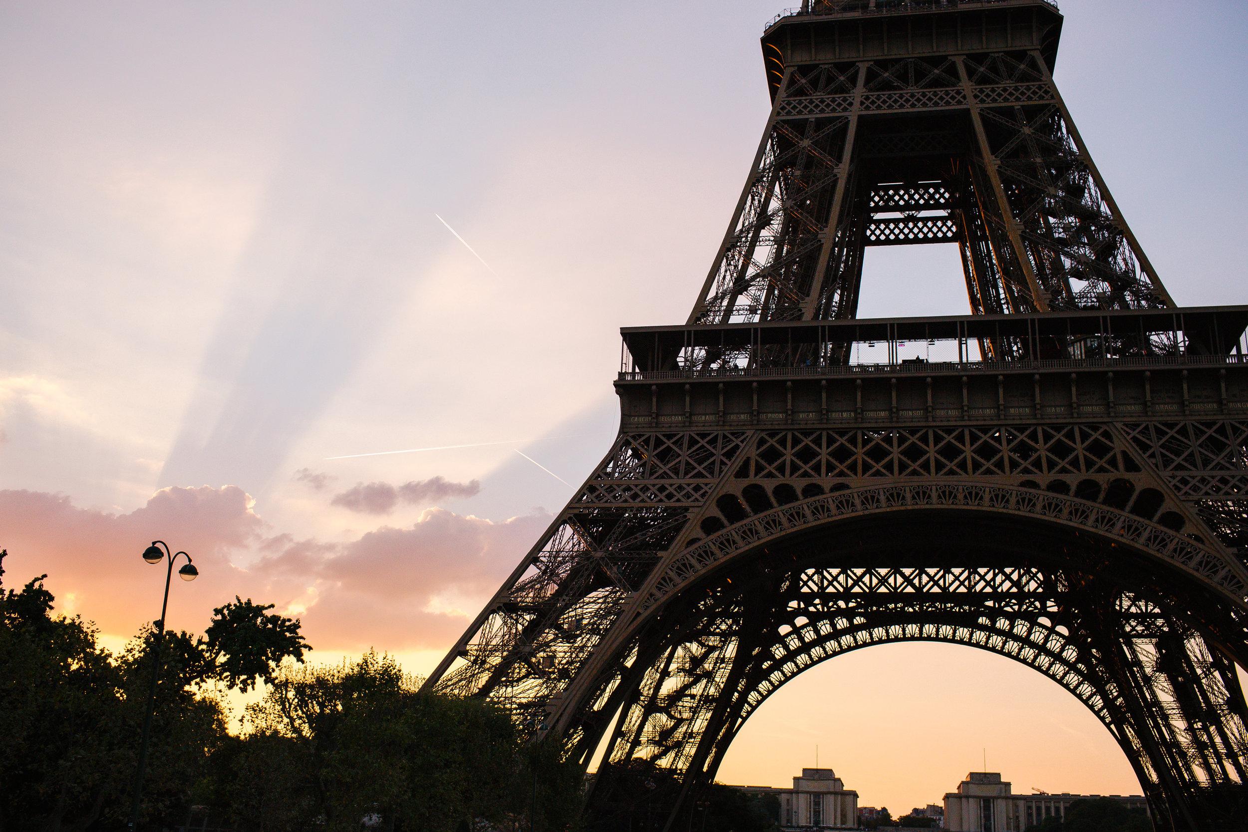 $1,500  Round trip flight to Paris