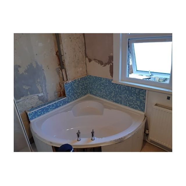 "Bathroom refurbishment.  Gutted and removed all the old stuff, new layout, underfloor heating, new floor and wall tiles, new floors and window shutters.  Happy December and a happy customer  #kcmc #London #passion #excellence #integrity ""carpenter #carpentry #doors #skirting #kitchens #bathrooms #plumbing #plumbers #exor #safecontractorapproved #pasma #checkatrade #cityandguilds #flooring #sinks #taps doors #festool #plungesaw #festool #dewalt #site #hardieboard #worktops #guiderail"