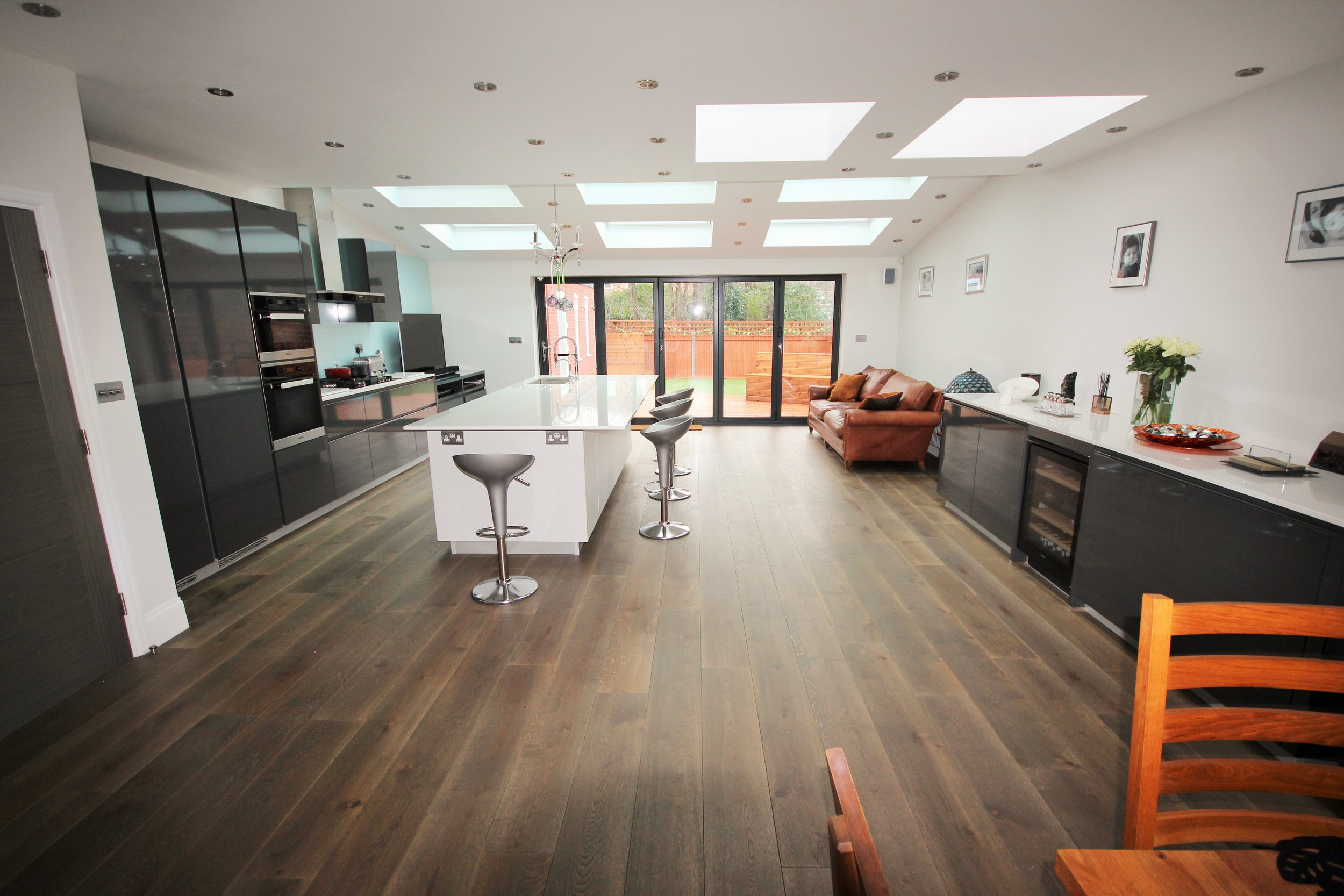 - This dated 3 bedroom house has been turned into a Luxury 4 Bedroom Family home … Another iDream Team Amazing Makeover.Double Storey side extension6m rear extensionFull width dormer loft conversionExisting house renovationPiped under floor heating on ground floorNew bespoke staircase from ground floor up