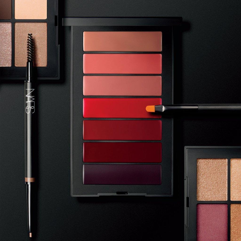nars-audacious-lipstick-palette-607845084723-lifestyle_1024x1024.jpg