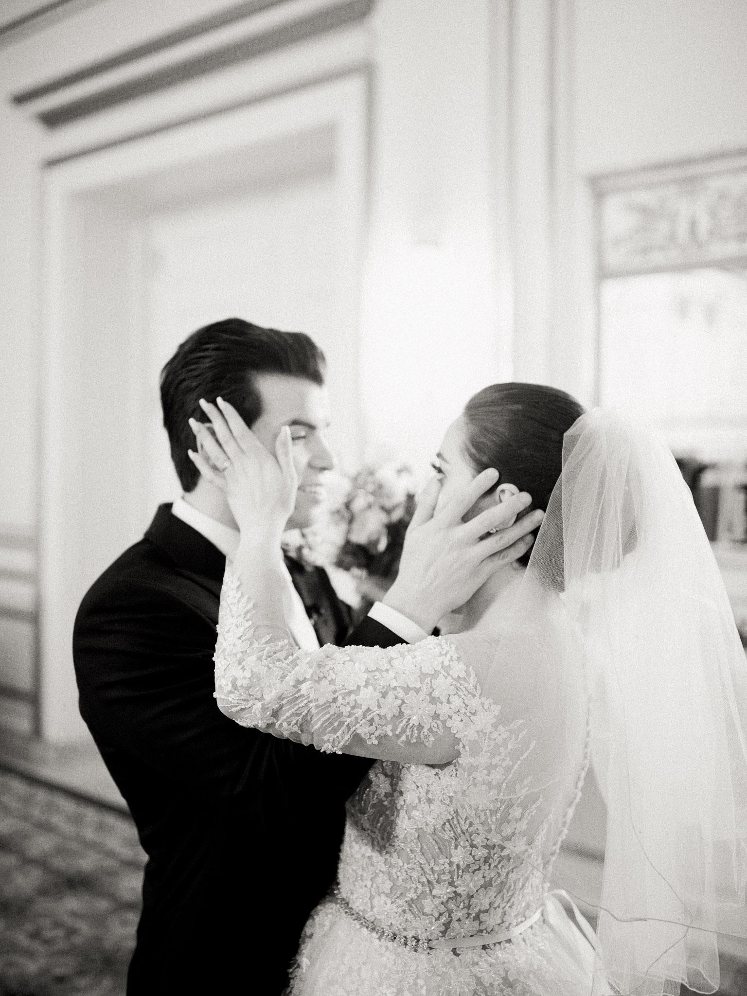Hanna&Jordan Wedding_HotelVancouver_9379.jpg