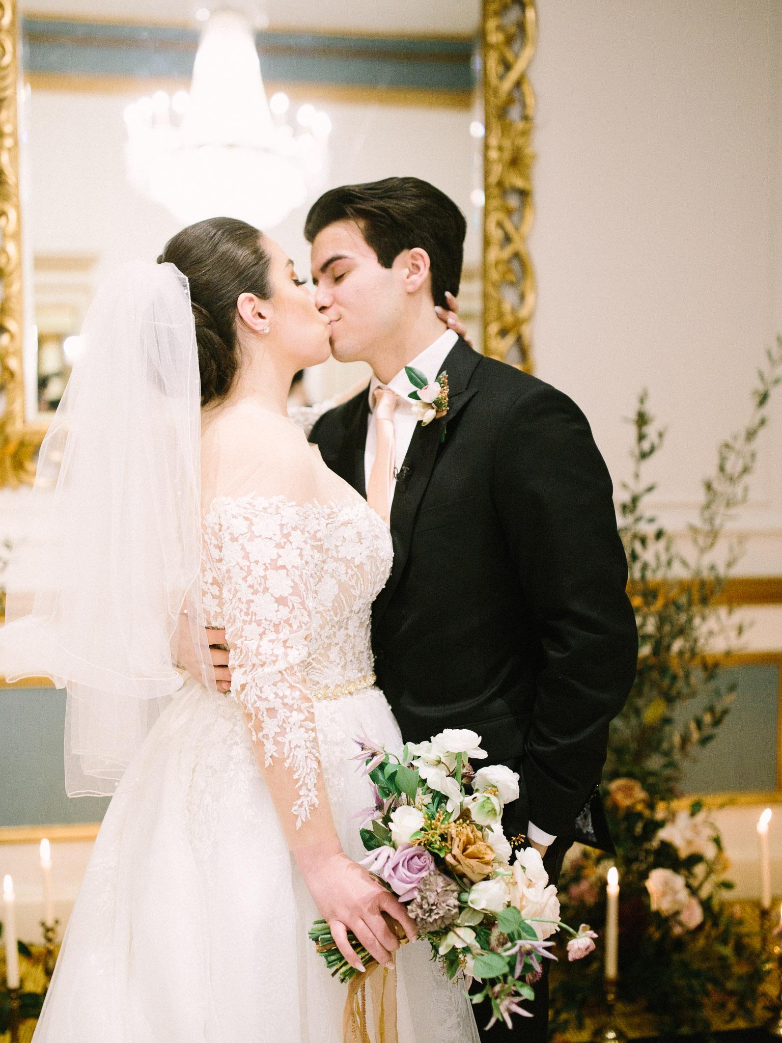 Hanna&Jordan Wedding_HotelVancouver_9388.jpg