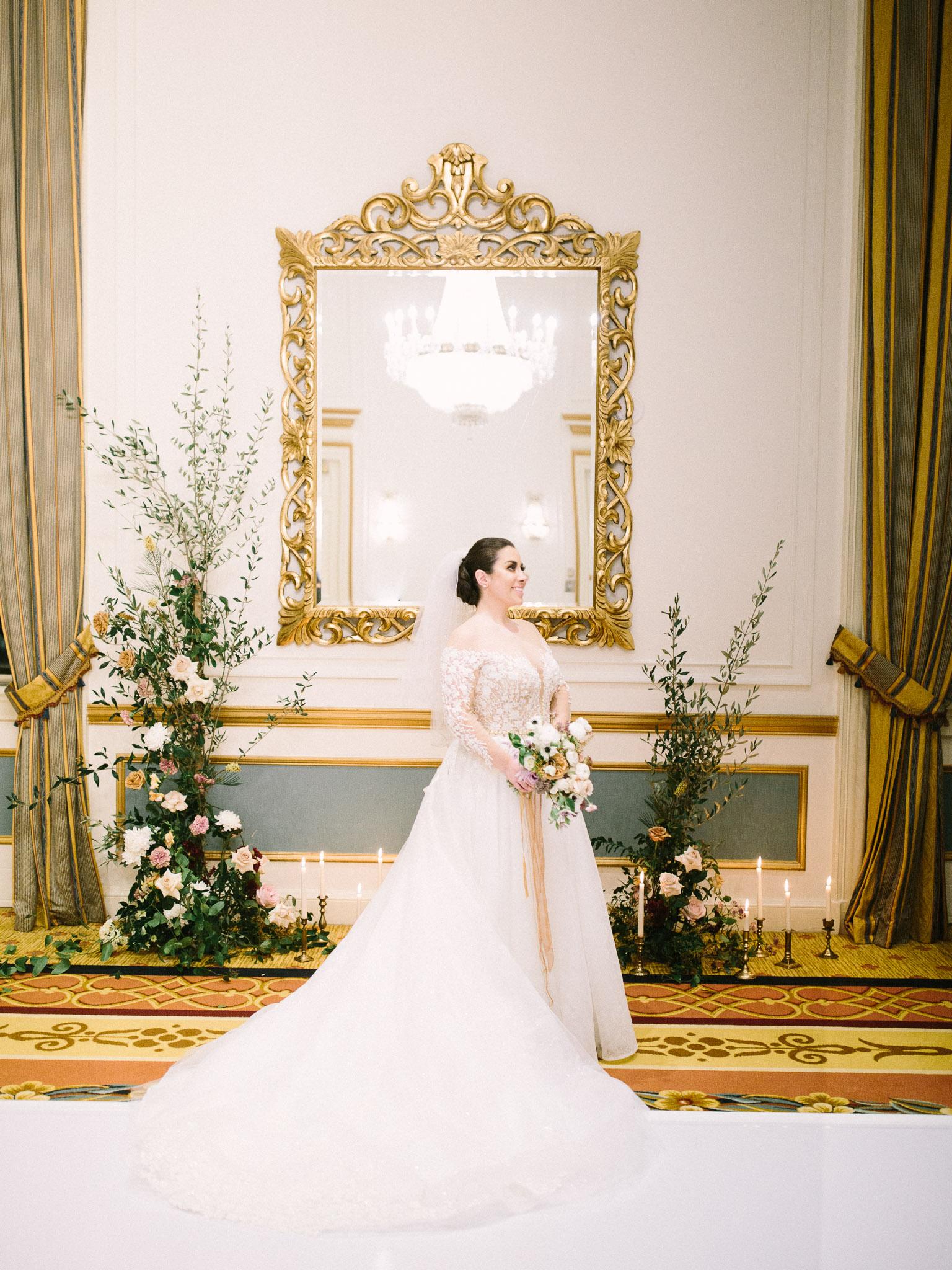 Hanna&Jordan Wedding_HotelVancouver_9391.jpg