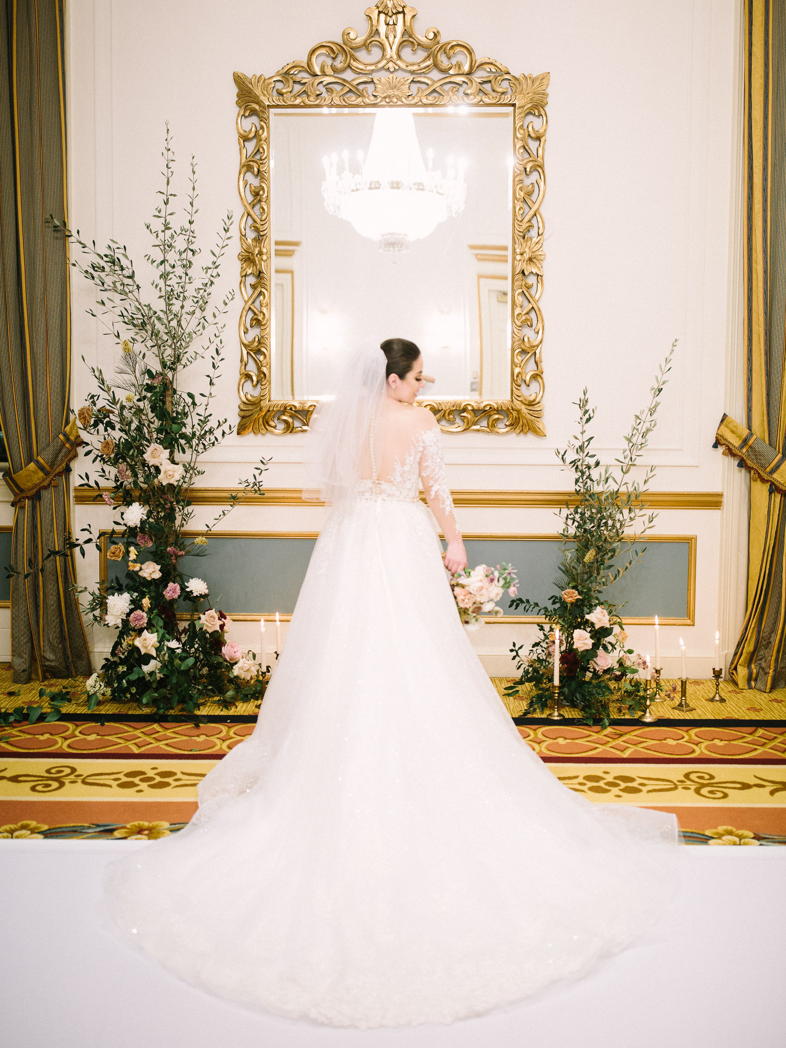 Hanna&Jordan Wedding_HotelVancouver_9413.jpg