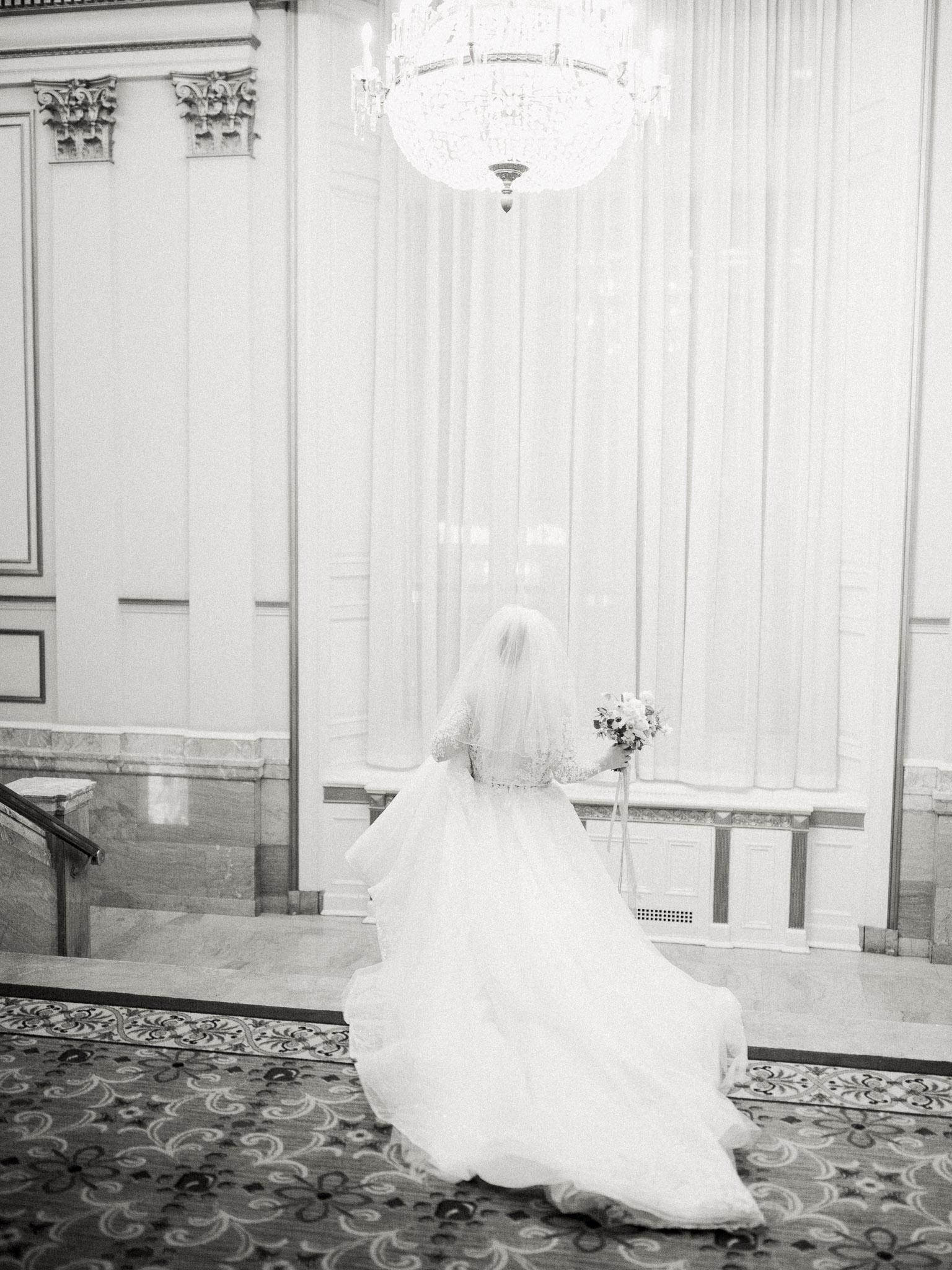 Hanna&Jordan Wedding_HotelVancouver_9427.jpg