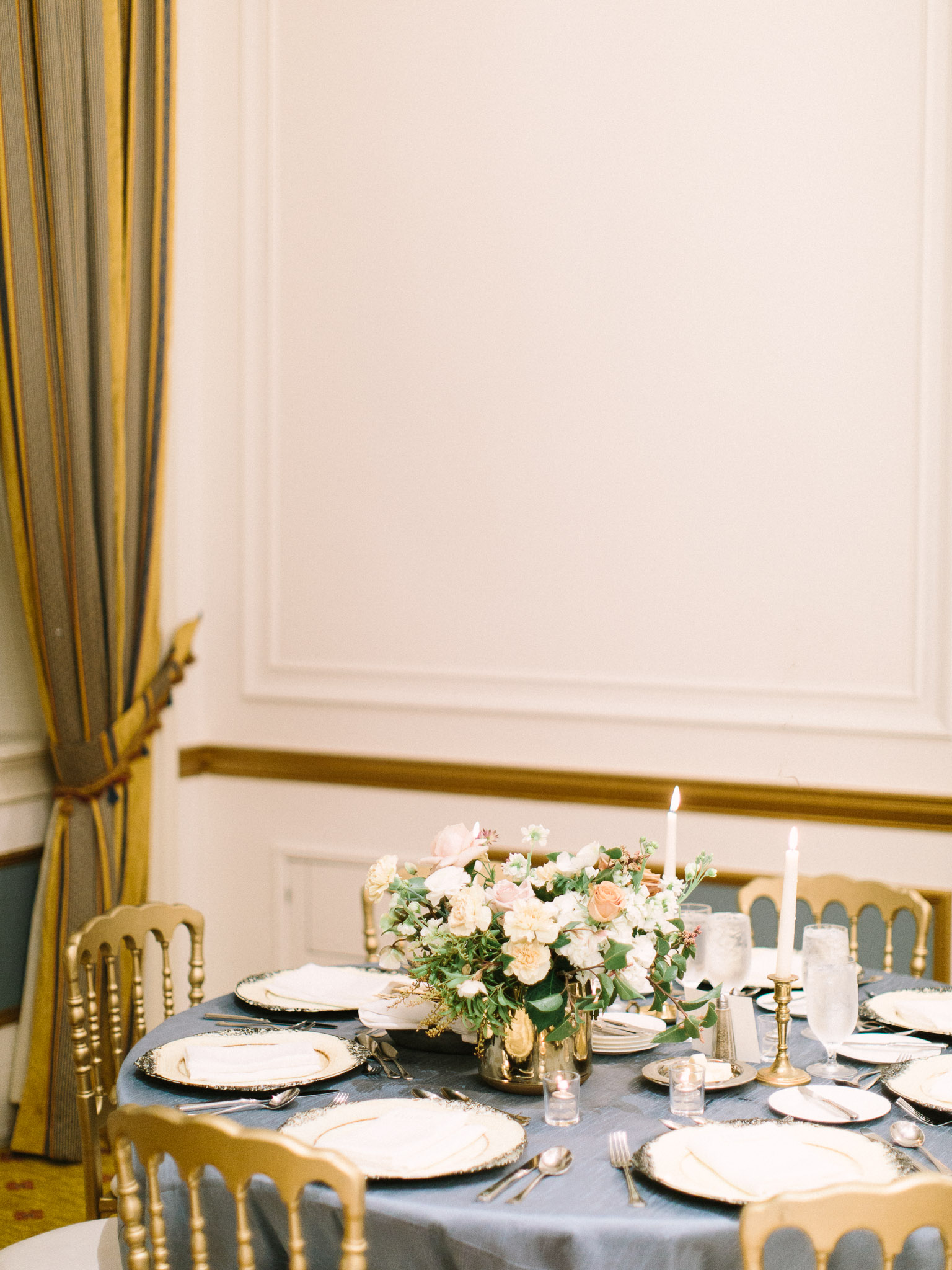 Hanna&Jordan Wedding_HotelVancouver_9521.jpg