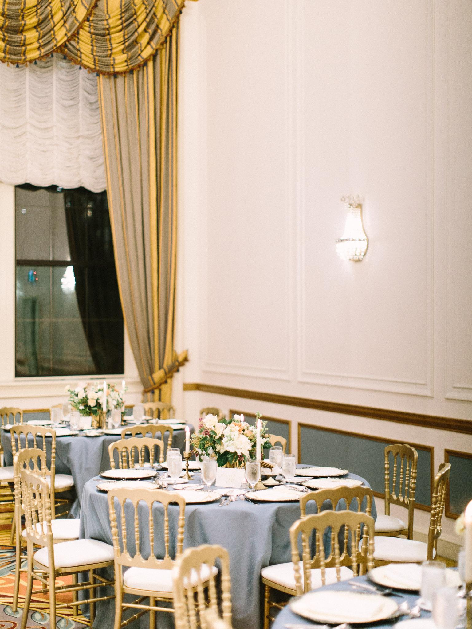 Hanna&Jordan Wedding_HotelVancouver_9566.jpg