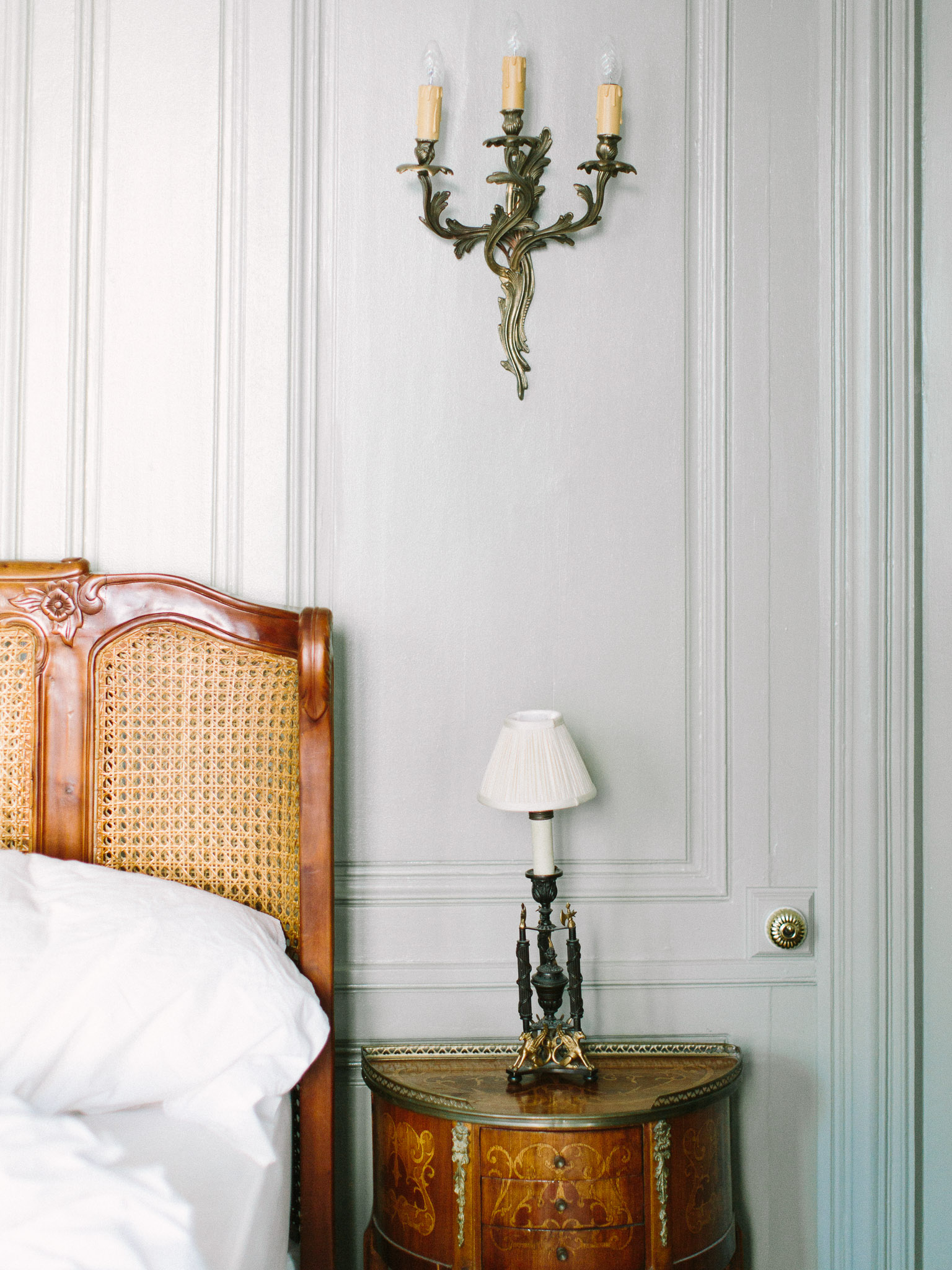 Couples Boudoir in Parisian Apartment_0284.jpg