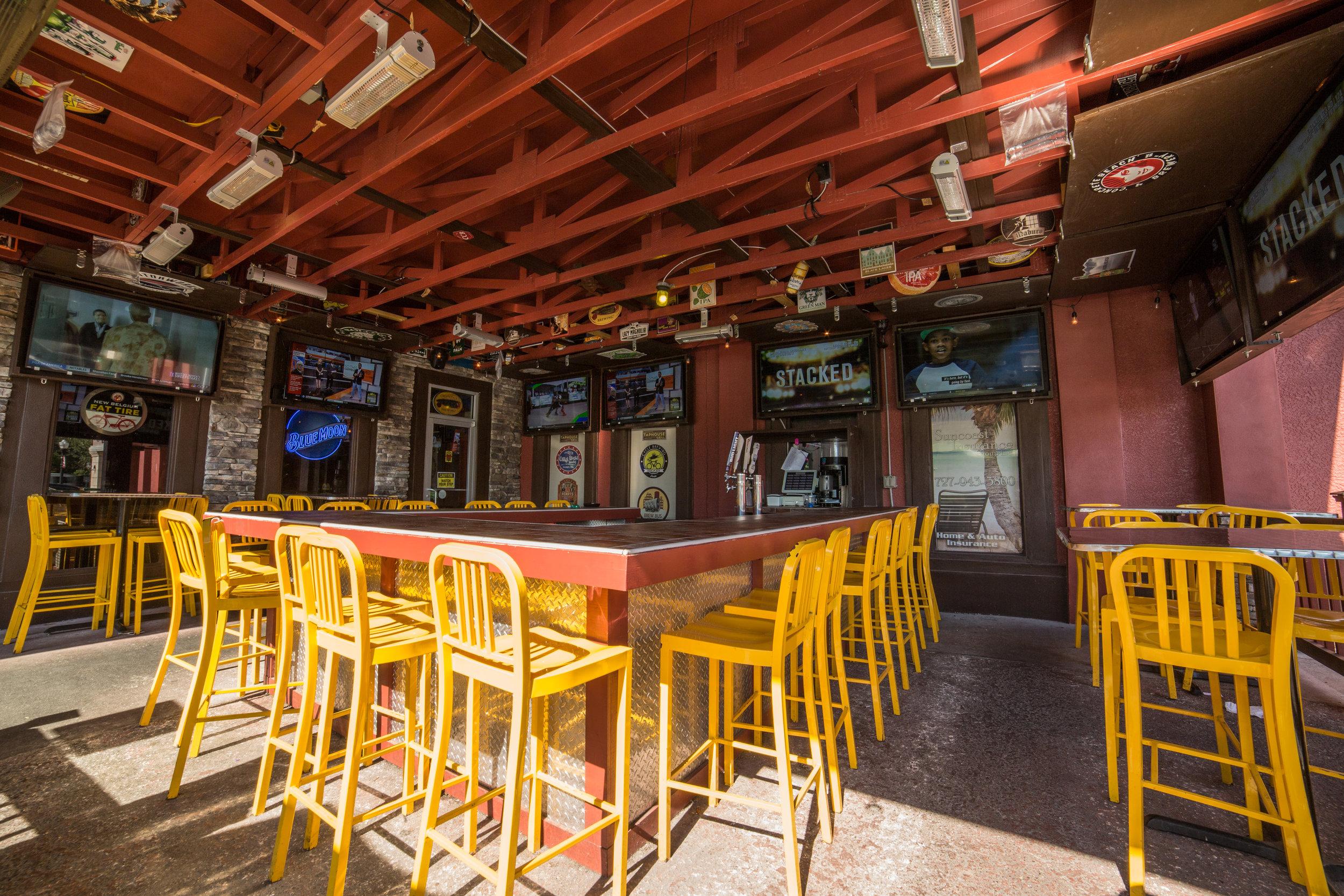 outside bar2-6964.JPG