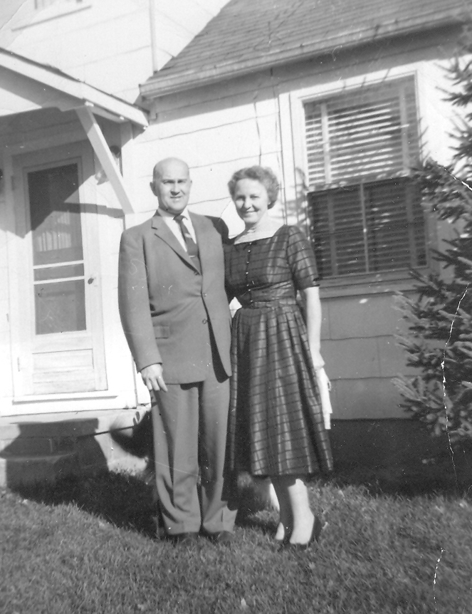 1 Lee and Dorthy (Gloria's parents).jpg