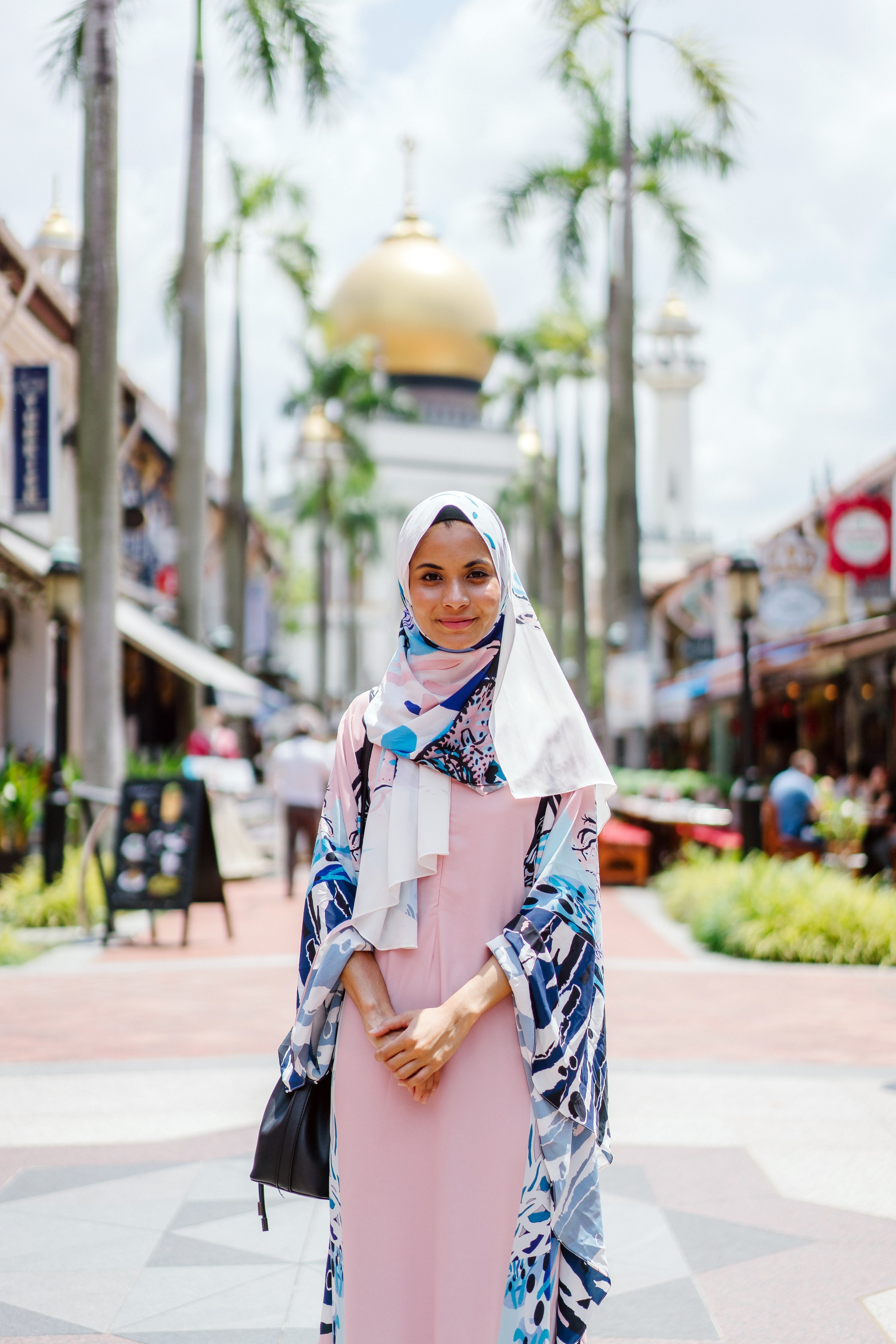 dress-female-headscarf-1162890.jpg