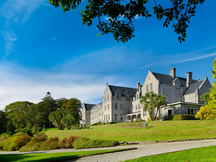 PARK HOTEL KENMARE - KENMARE, COUNTY KERRY - Since 1897 many world travellers have enjoyed the pleasure of Park Hotel Kenmare and its renowned restaurant. Set in a heavenly location overlooking Kenmare Bay the hotel is in the heart of Ireland's most scenic countryside.