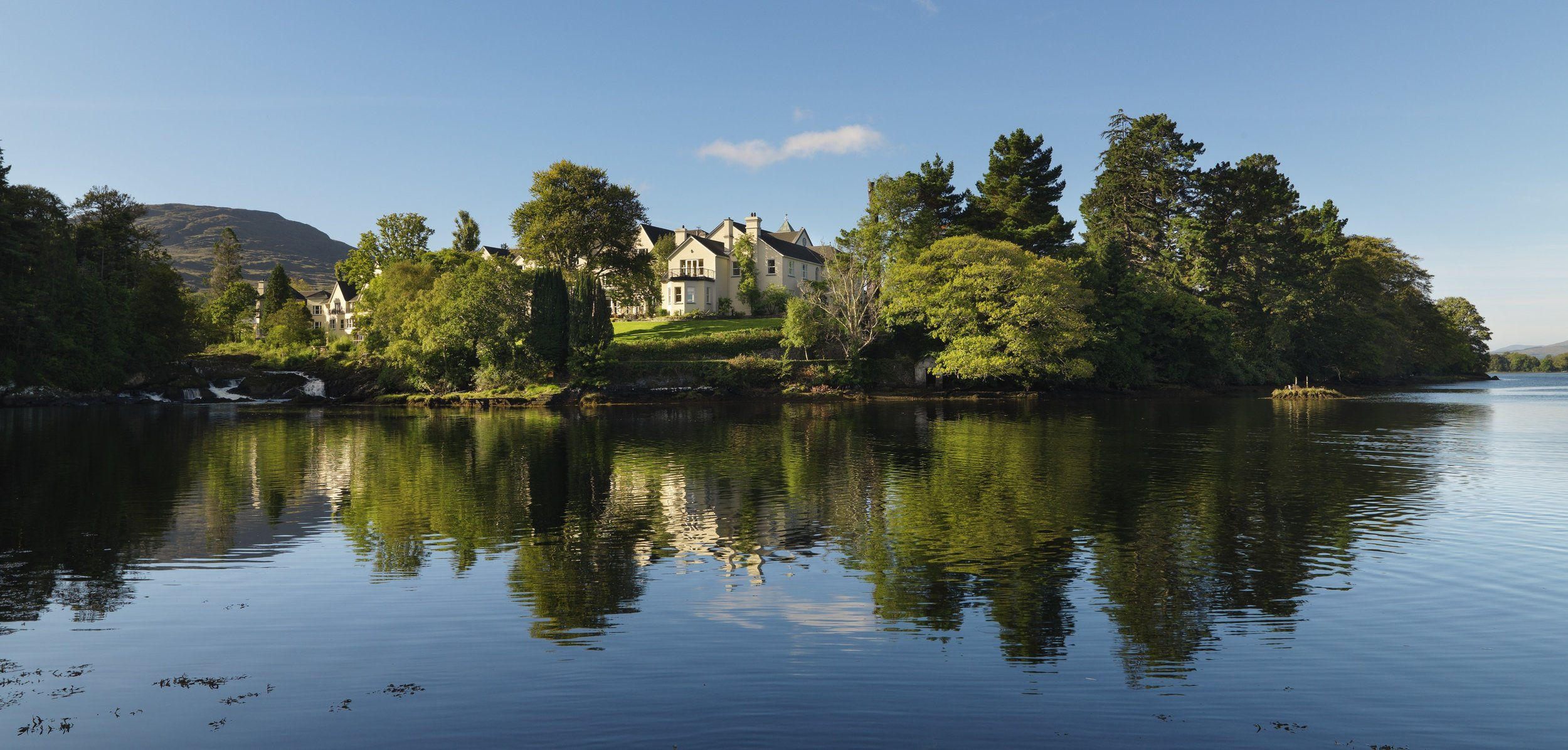 SHEEN FALLS LODGE - KENMARE, COUNTY KERRY - Situated on a 300 acre estate overlooking Kenmare Bay, Sheen Falls Lodge is on the doorstep of the magical south west of Ireland, perfectly placed for exploring the world famous Ring of Kerry, Beara Peninsula and Killarney Lakes.
