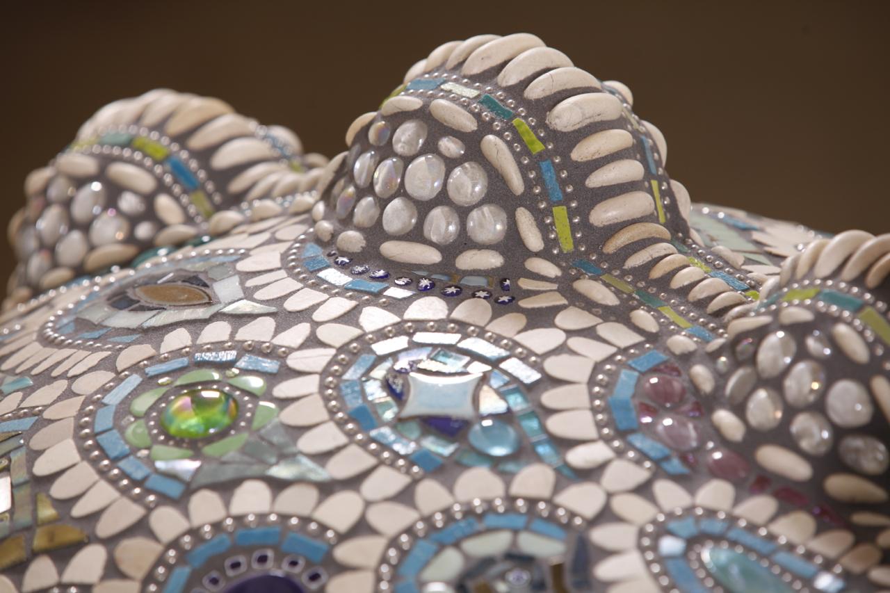 033-Elaine-Summers-Vashon-Mosaic-Art-PizzaOven-Neptunabumps.jpg