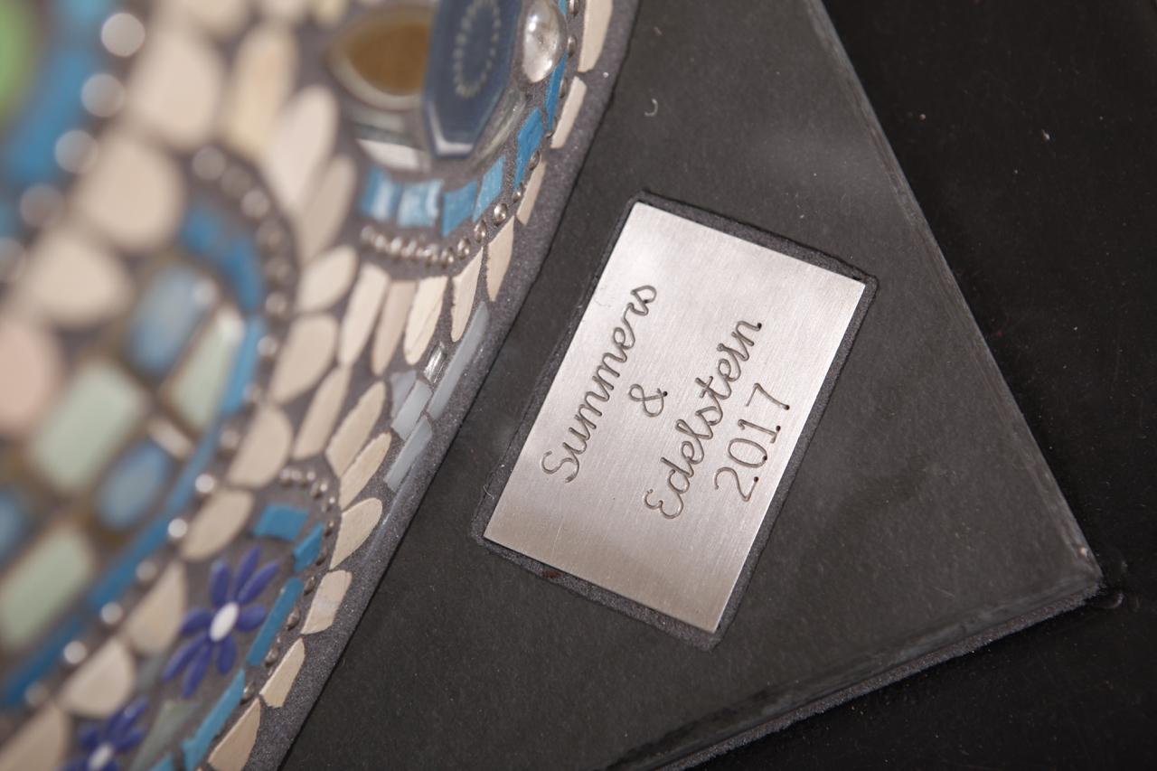036-Elaine-Summers-Vashon-Mosaic-Art-PizzaOven-Neptuna-tag.jpg
