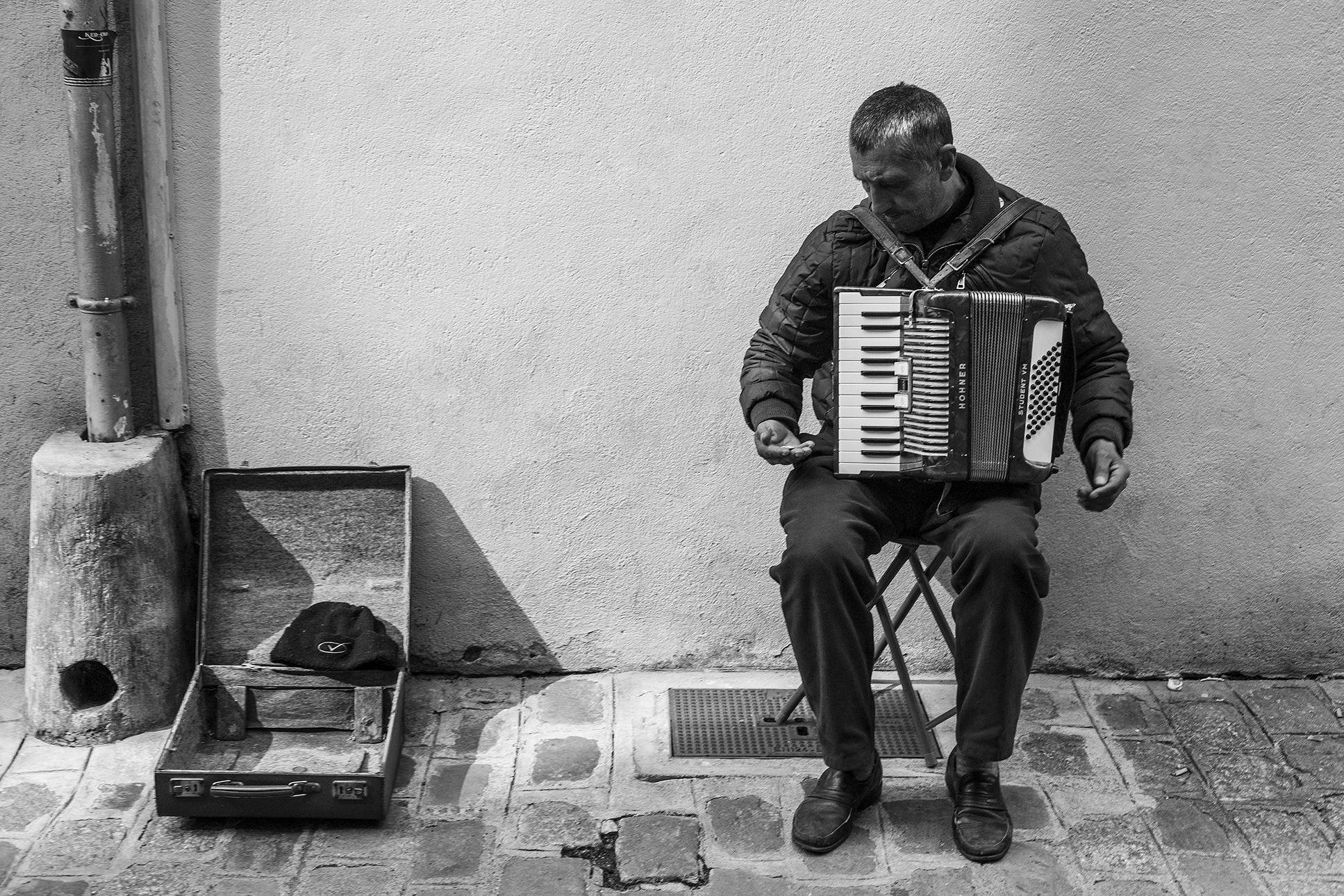 accordeoniste-Dijon-mai-2013.jpg