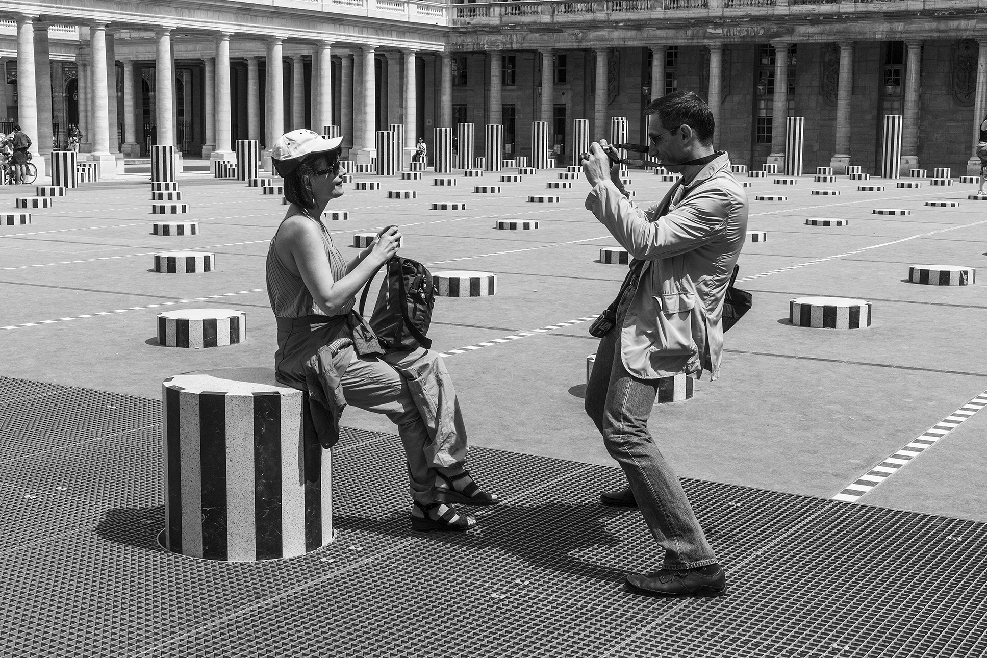 tourisme-colonne-Paris-mai-2011.jpg