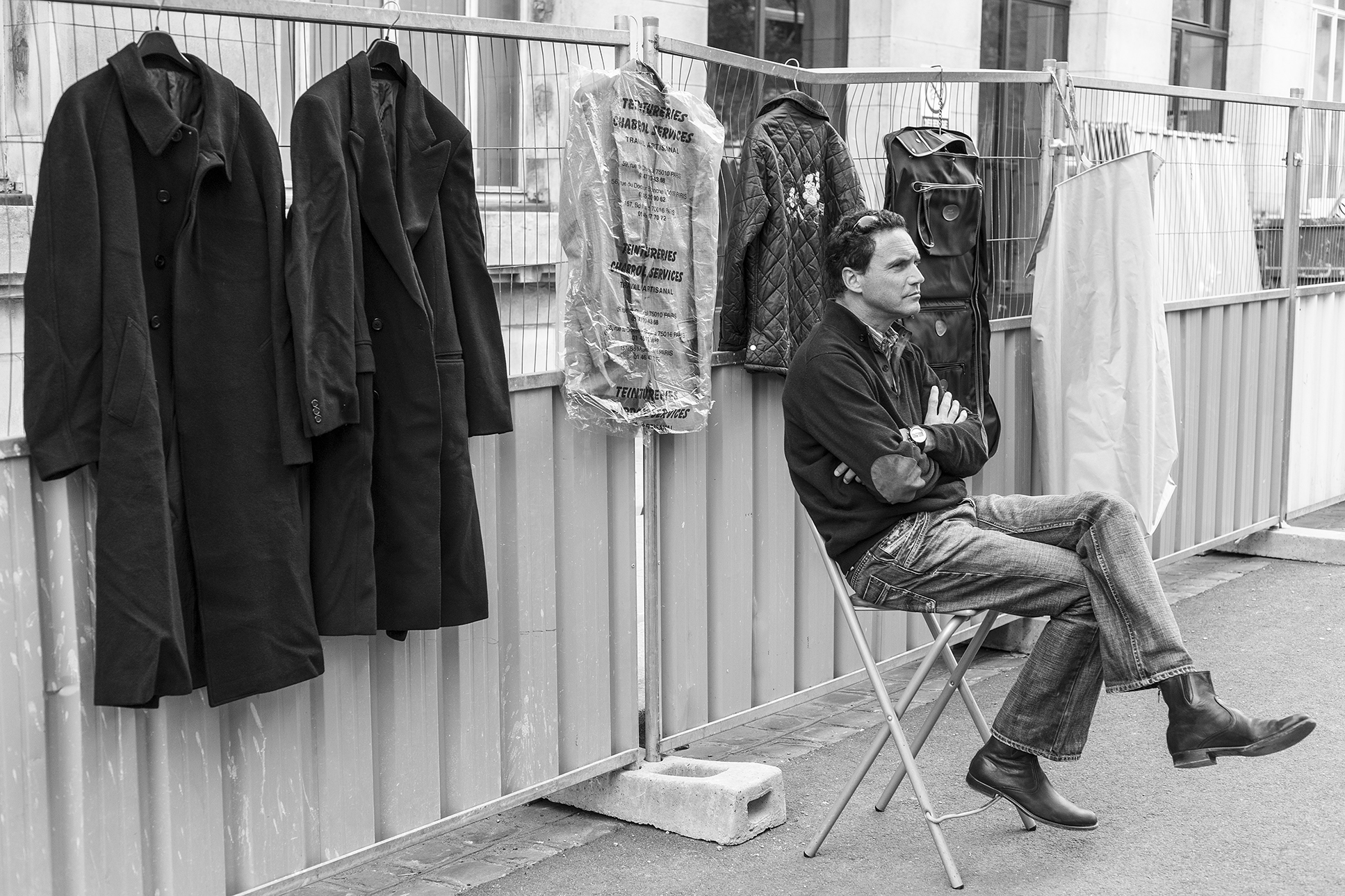 vendeur-Paris-mai-2011.jpg