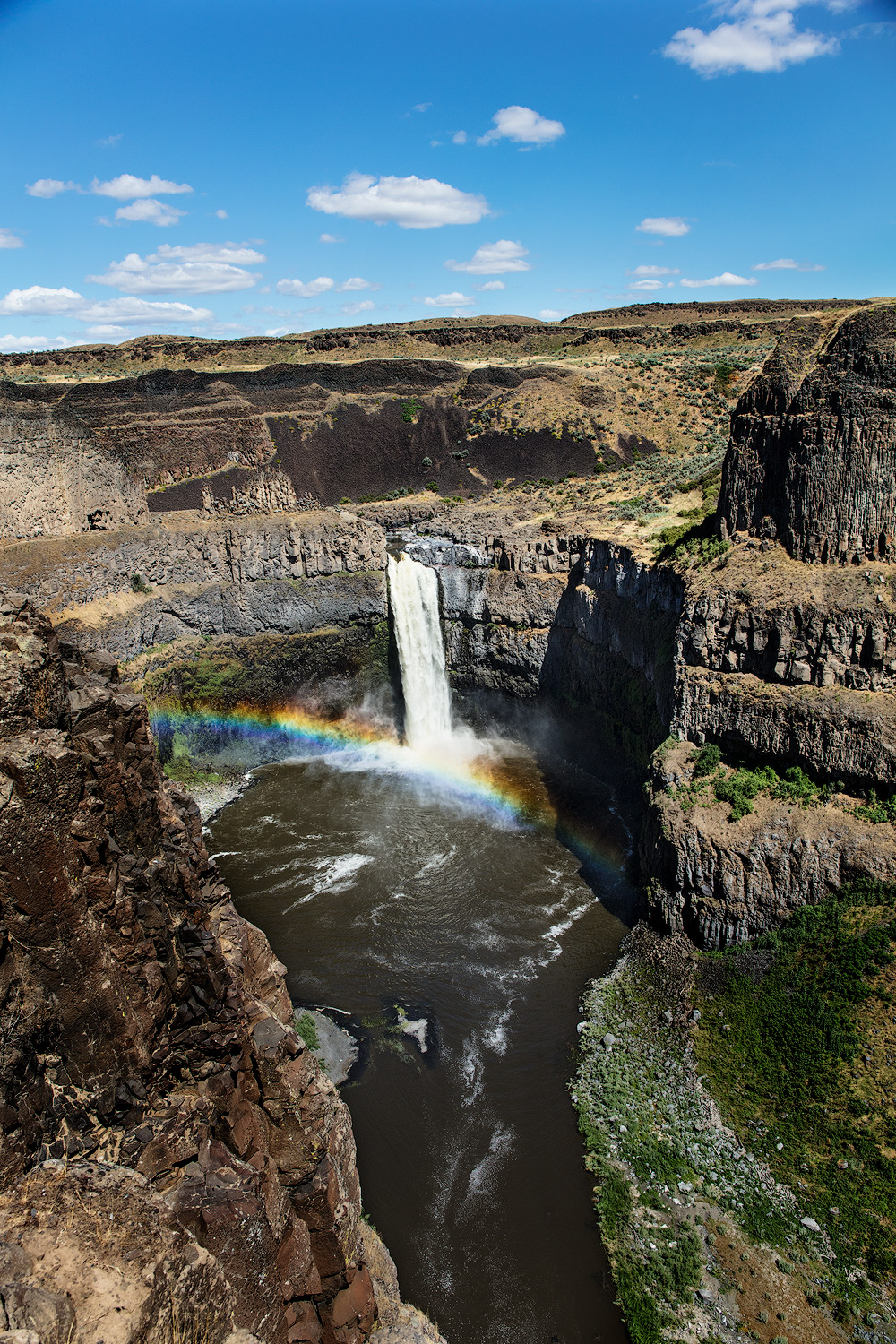 Palouse Falls is very popular with photographers, we will visit this state park as part of the workshop.
